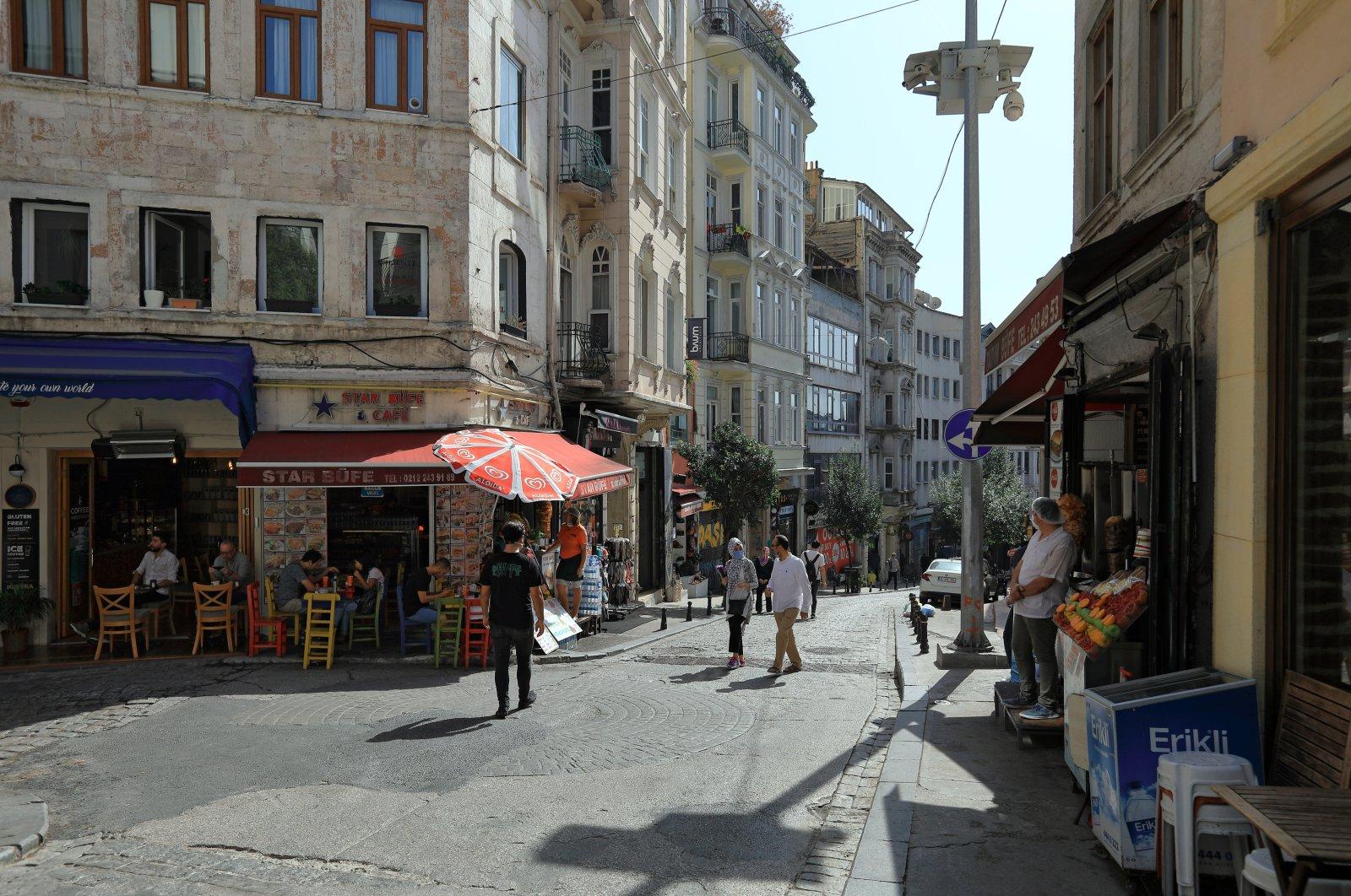 A street view of Istanbul's Beyoğlu district. (Shutterstock Photo)