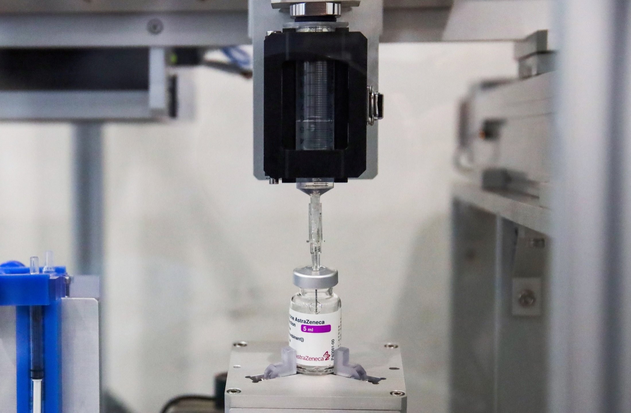 A vaccine extraction machine called AutoVacc, designed by the Chulalongkorn University's Biomedical Engineering Research Center, can be seen in Bangkok, Thailand, Aug. 23, 2021. (Reuters Photo)