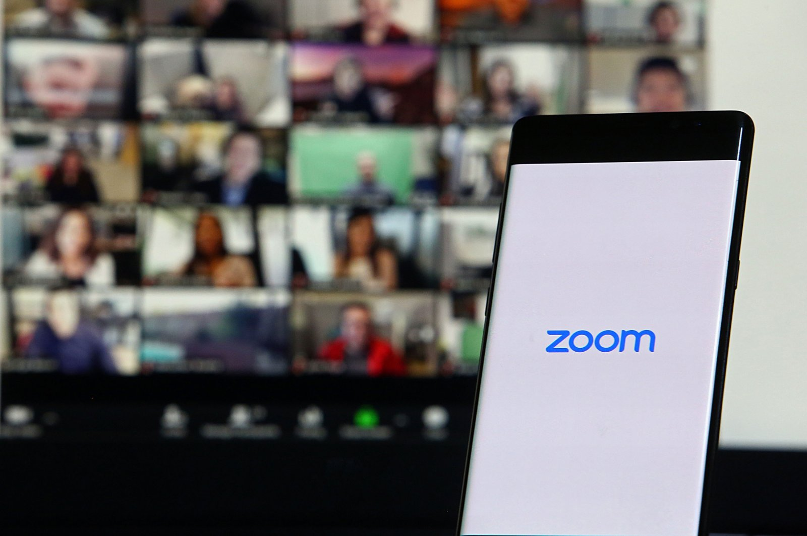 A smartphone showing Zoom Cloud Meetings app in Istanbul, Turkey, April 6, 2021. (Shutterstock Photo)
