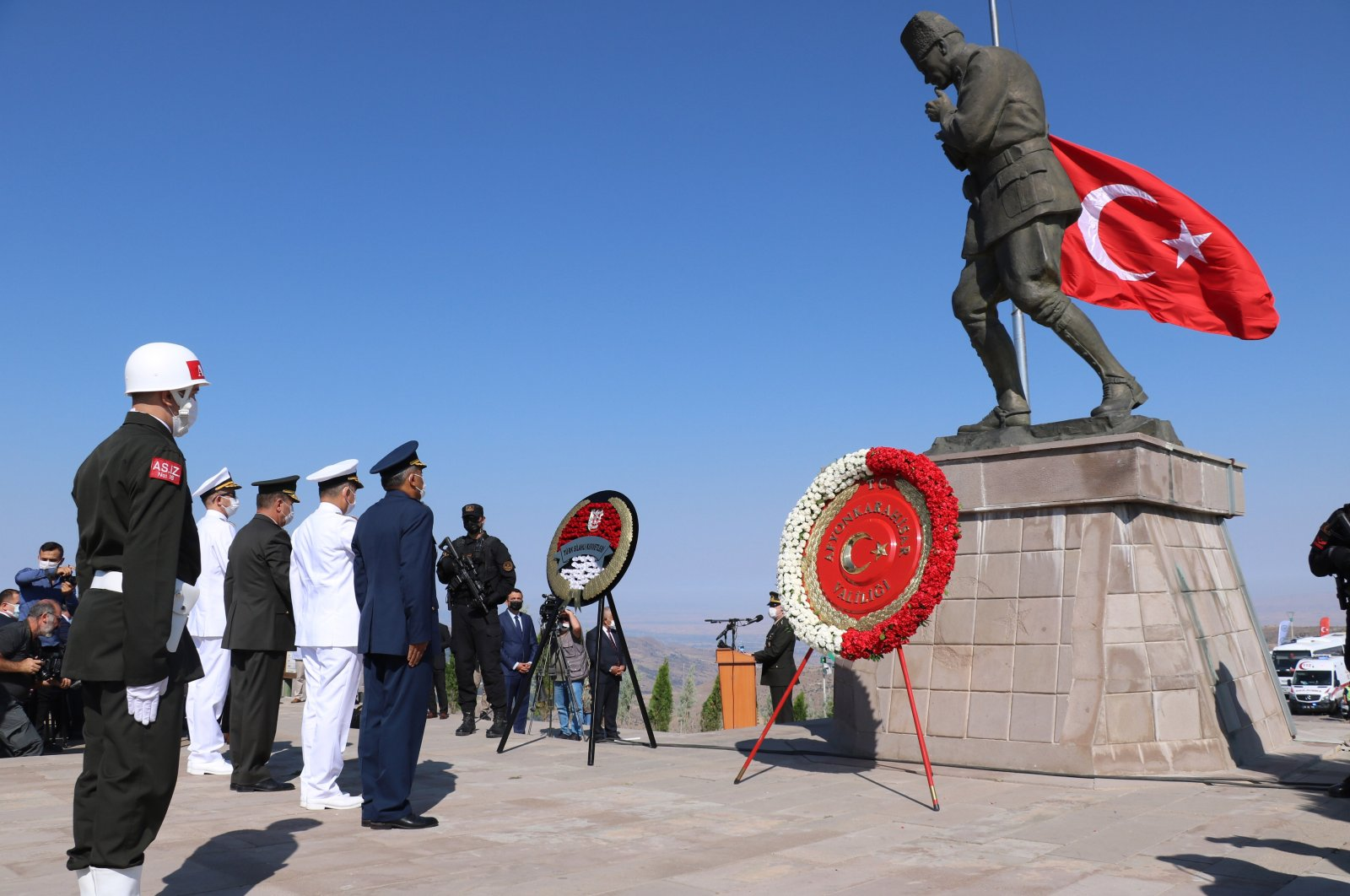 Soldiers attend a wreath-laying ceremony at a memorial for Atatürk, in Afyonkarahisar, western Turkey, Aug. 26, 2021. (DHA Photo)