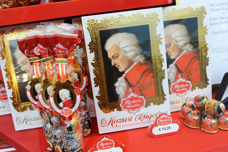 Mozartkugeln from Salzburg is popular souvenirs among tourists. (Andreas Gebert/dpa Photo)