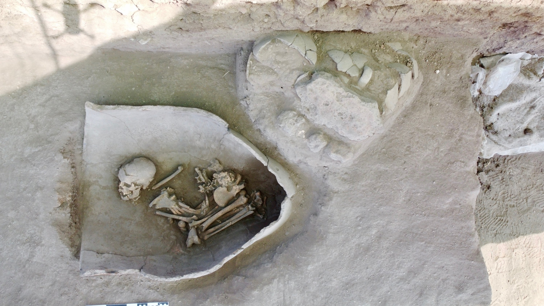 Graves in pithoi in Küllüoba, Eskişehir, central Turkey, Aug. 27, 2021. (AA Photo)