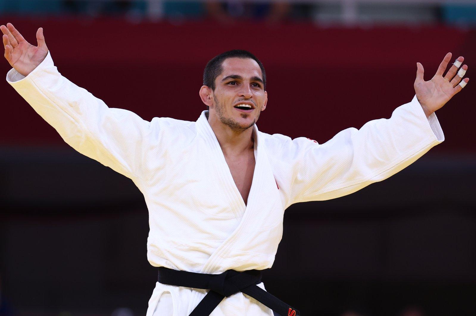 Turkish judoka Recep Çifçi celebrates after winning his match against Venezuela's Marcos Dennis Blanco at the Tokyo 2020 Paralympics, in Tokyo, Japan, Aug. 27, 2021. (Reuters Photo)