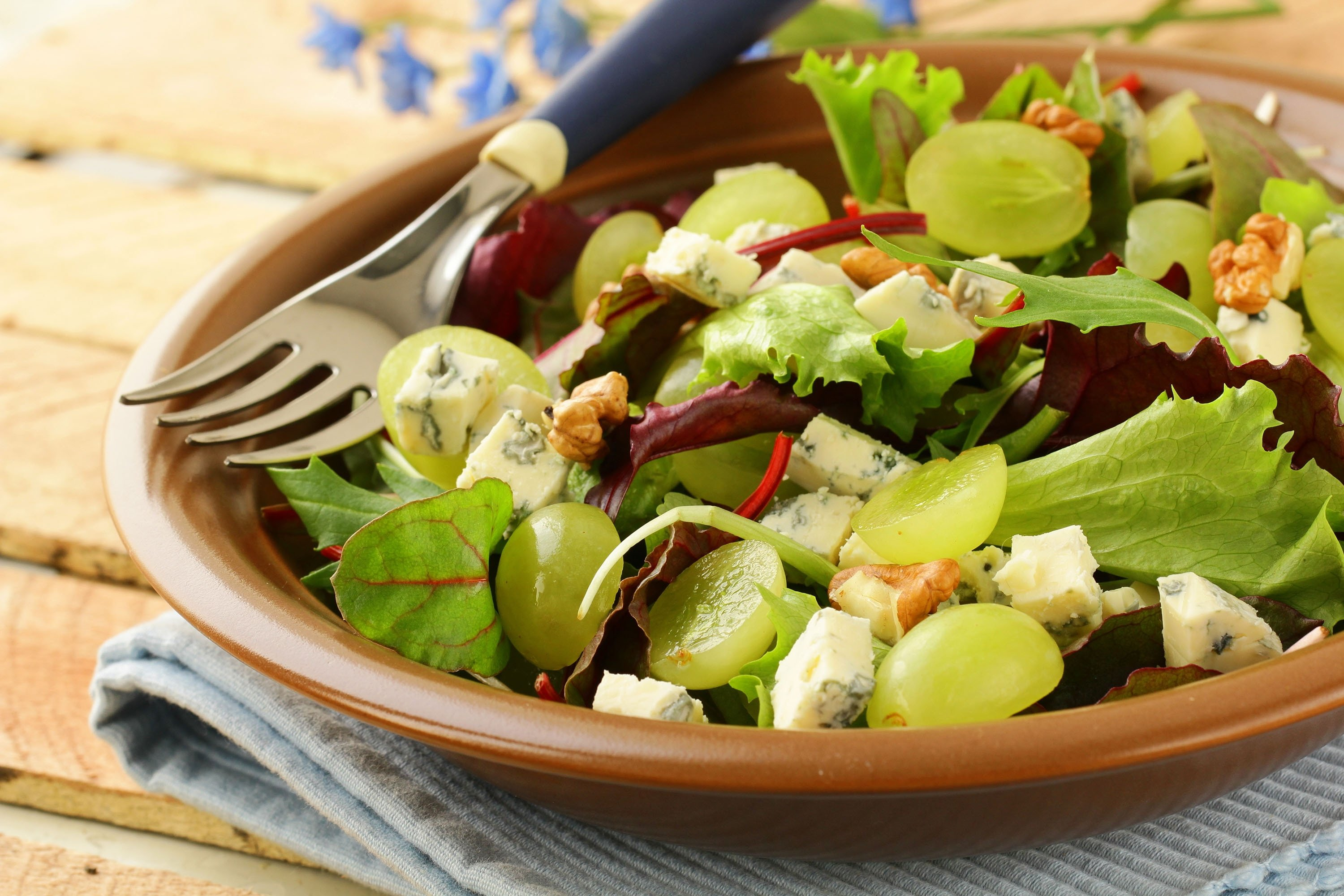 A salad with grapes, walnuts and blue cheese. (Shutterstock Photo)