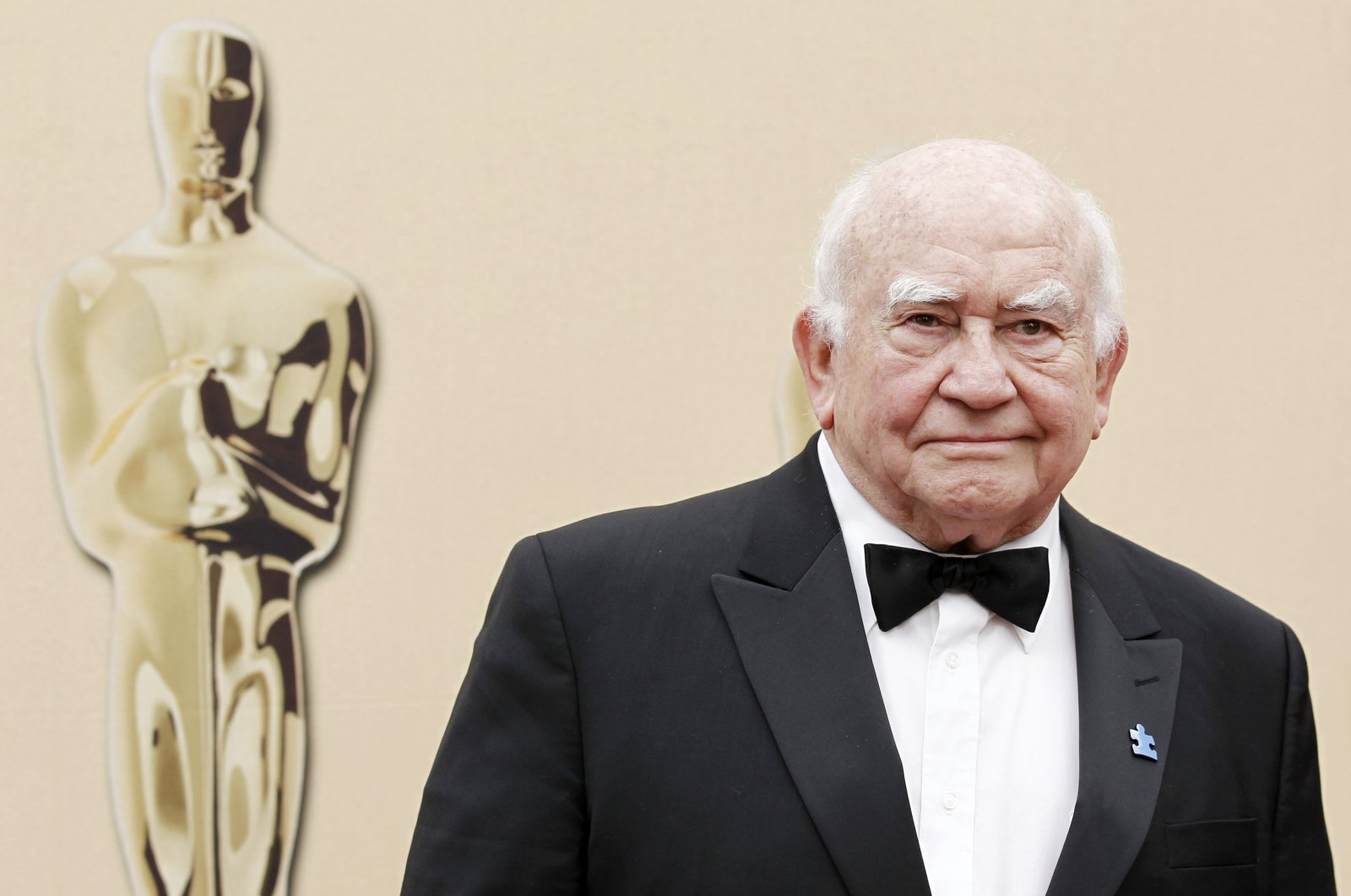 Actor Ed Asner arrives during the 82nd Academy Awards in the Hollywood section of Los Angeles, U.S., March 7, 2010. (AP Photo)