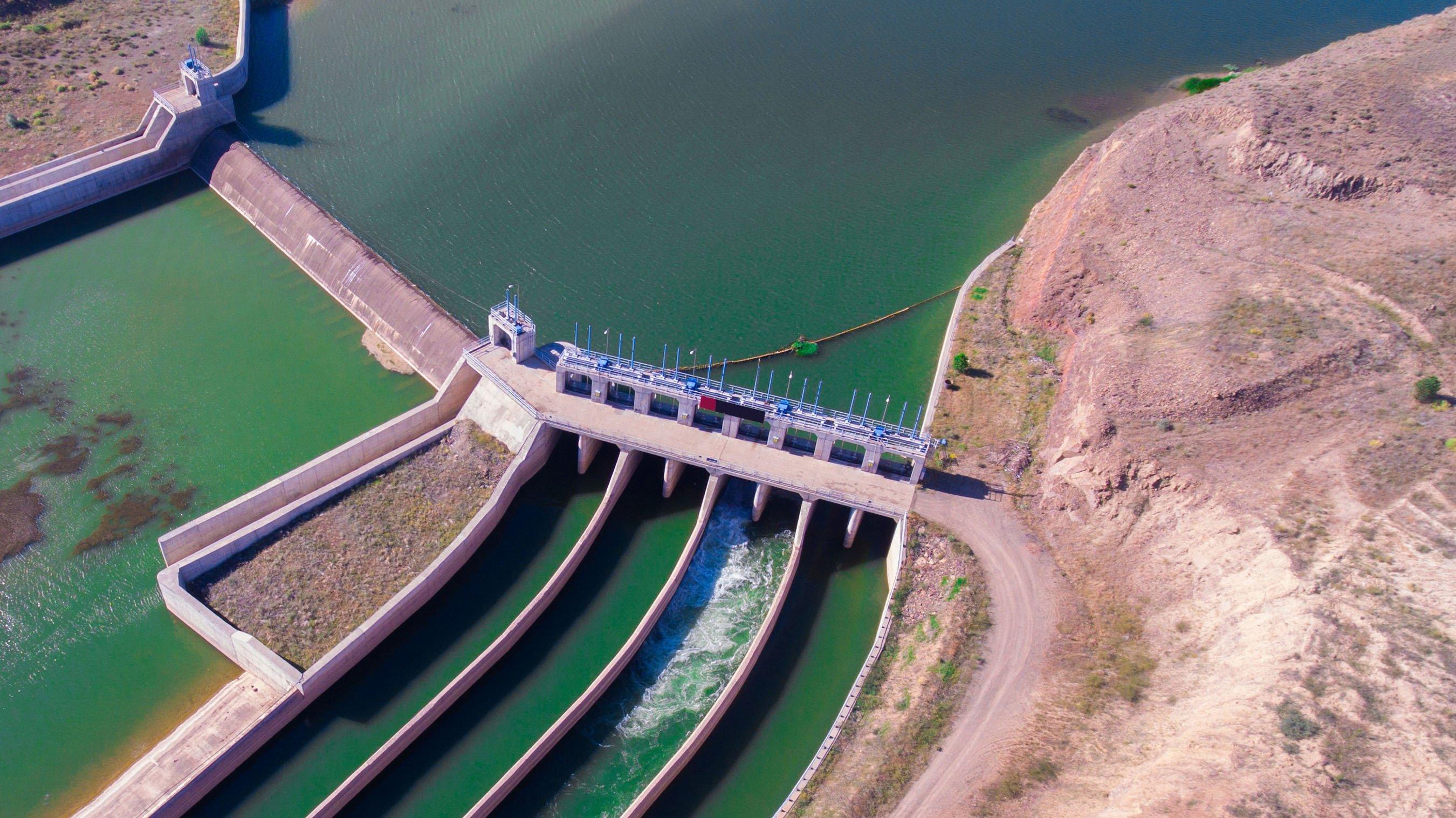 The hydroelectric power plant on Kızılırmak River, in Sivas, Turkey. (Shutterstock Photo)
