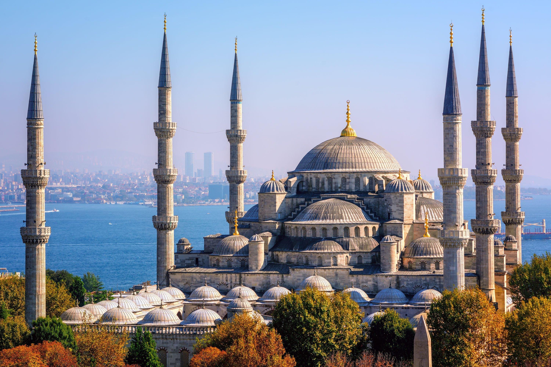 Blue Mosque, Istanbul, Turkey. (Shutterstock Photo)