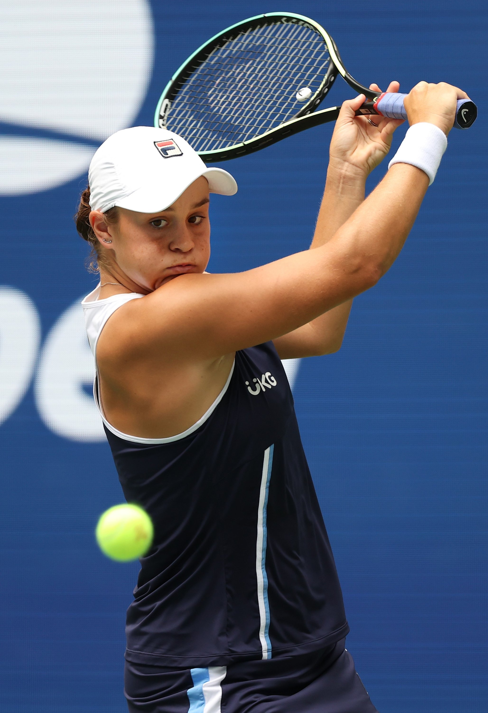 Australia's Ashleigh Barty returns a ball against Russia's Vera Zvonareva during their U.S. Open first-round match, New York, U.S., Aug. 31, 2021. (AFP Photo)