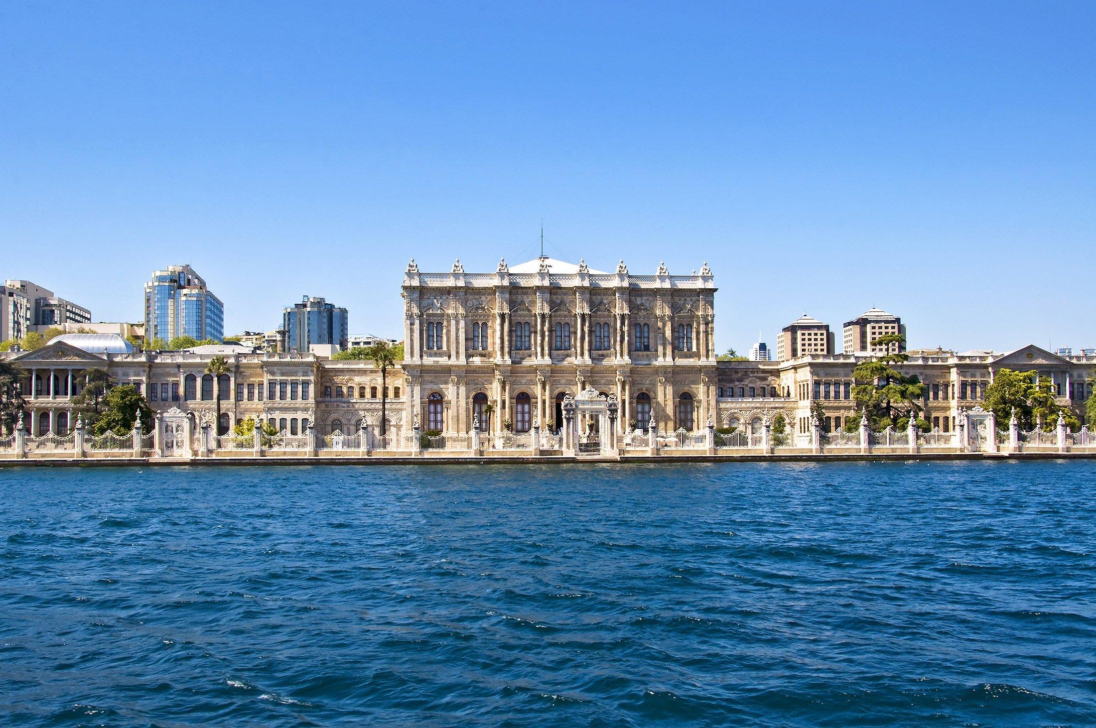 Dolmabahçe Palace. (Shutterstock Photo)