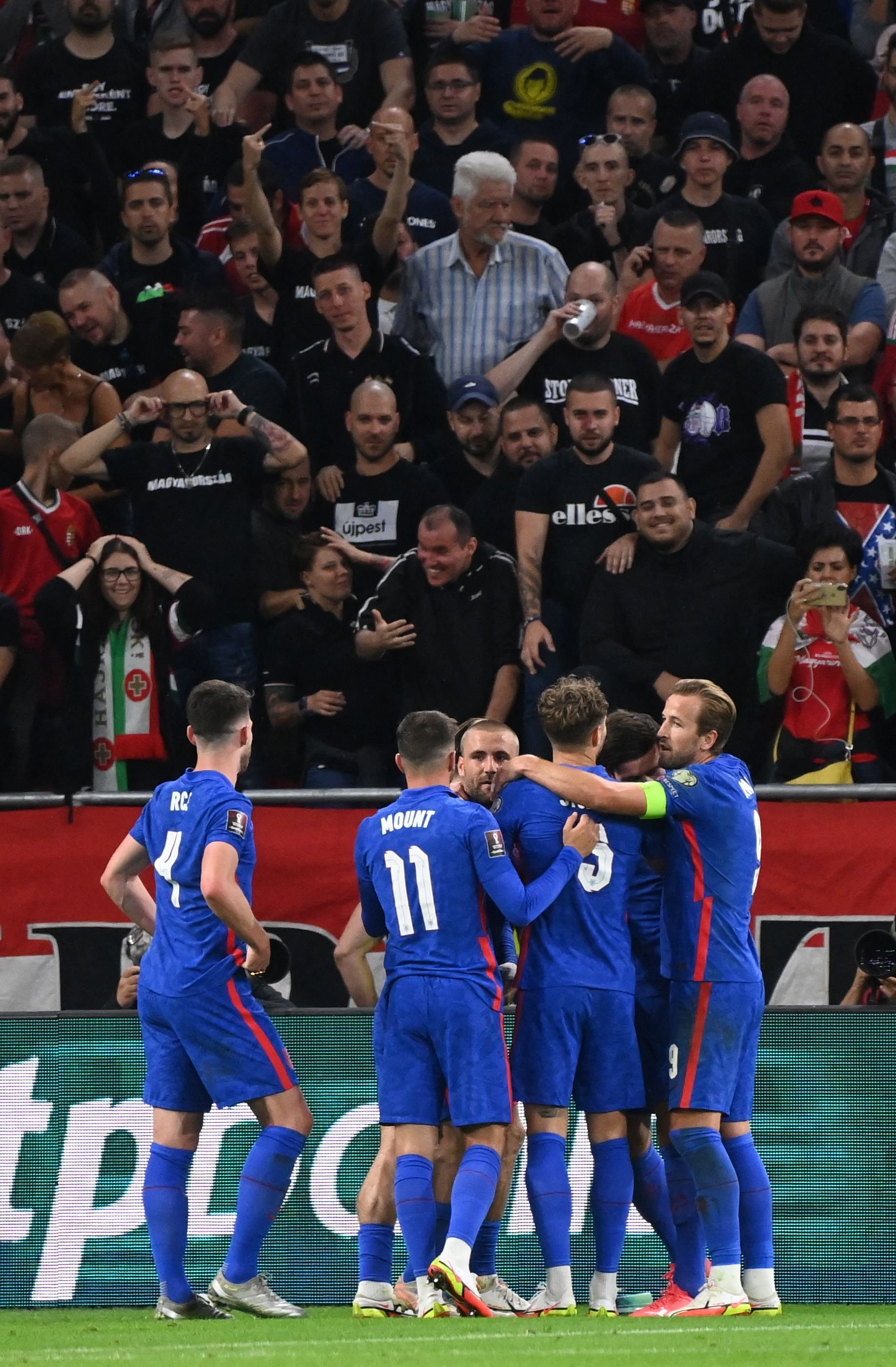 England's players celebrate their 0-3 win over Hungary in a 2022 FIFA World Cup qualifier at the Puskas Arena, Budapest, Hungary, Sept. 2, 2021. (AFP Photo)