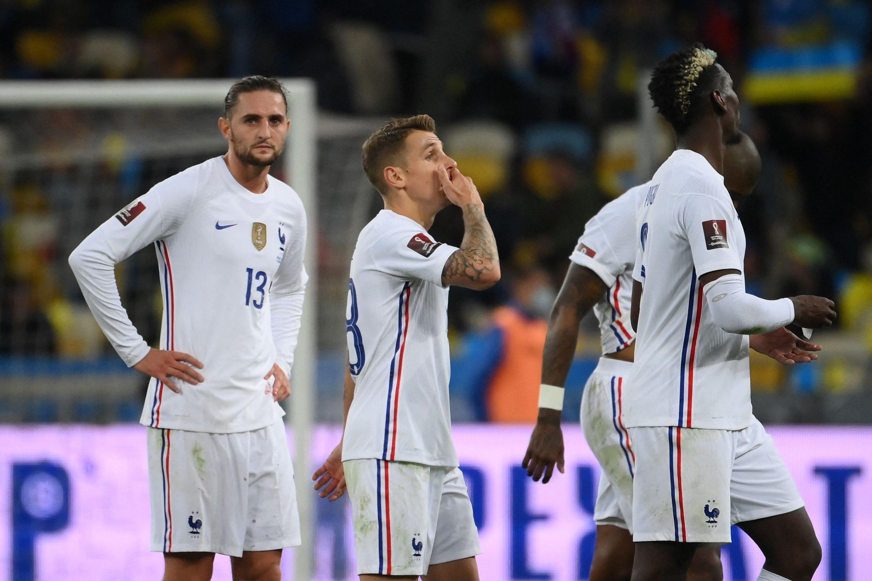 4 septembre 2021 Les joueurs français réagissent après le tirage au sort des éliminatoires du groupe D de la Coupe du Monde de la FIFA 2022 contre le stade olympique, Kiev, Ukraine, Ukraine.  (photo AFP)