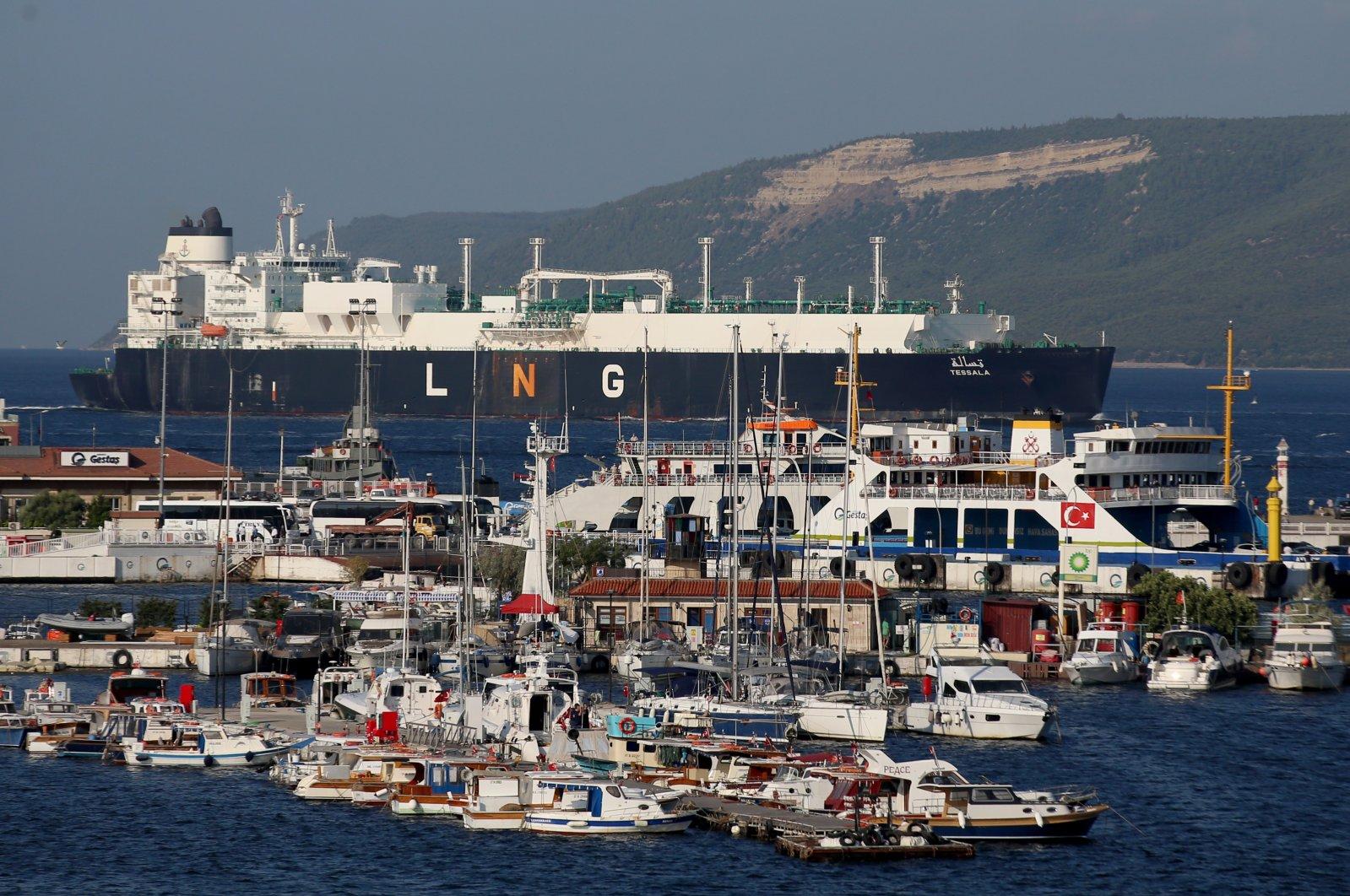 An LNG tanker passes through the Çanakkale Strait, Turkey, Aug. 13, 2021. (AA Photo)