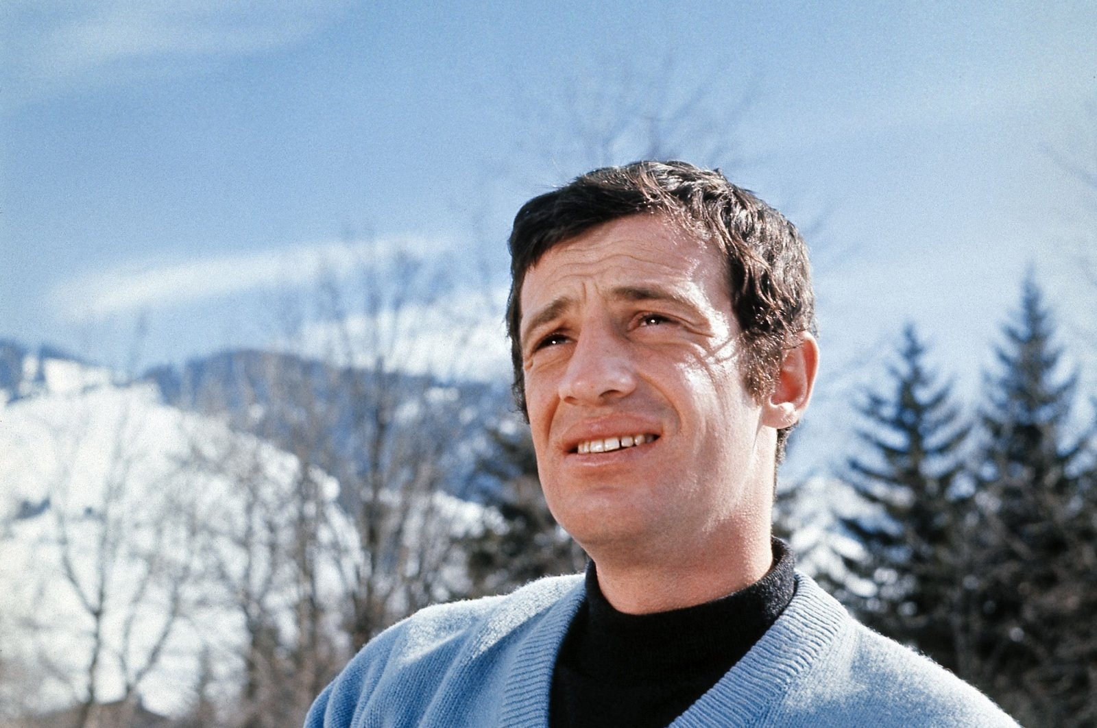 In this file photograph taken on January 1, 1960, Jean-Paul Belmondo, one of France's biggest screen stars and a symbol of 1960s New Wave cinema, poses during his winter sports holiday in Essonne, France. (AFP Photo)