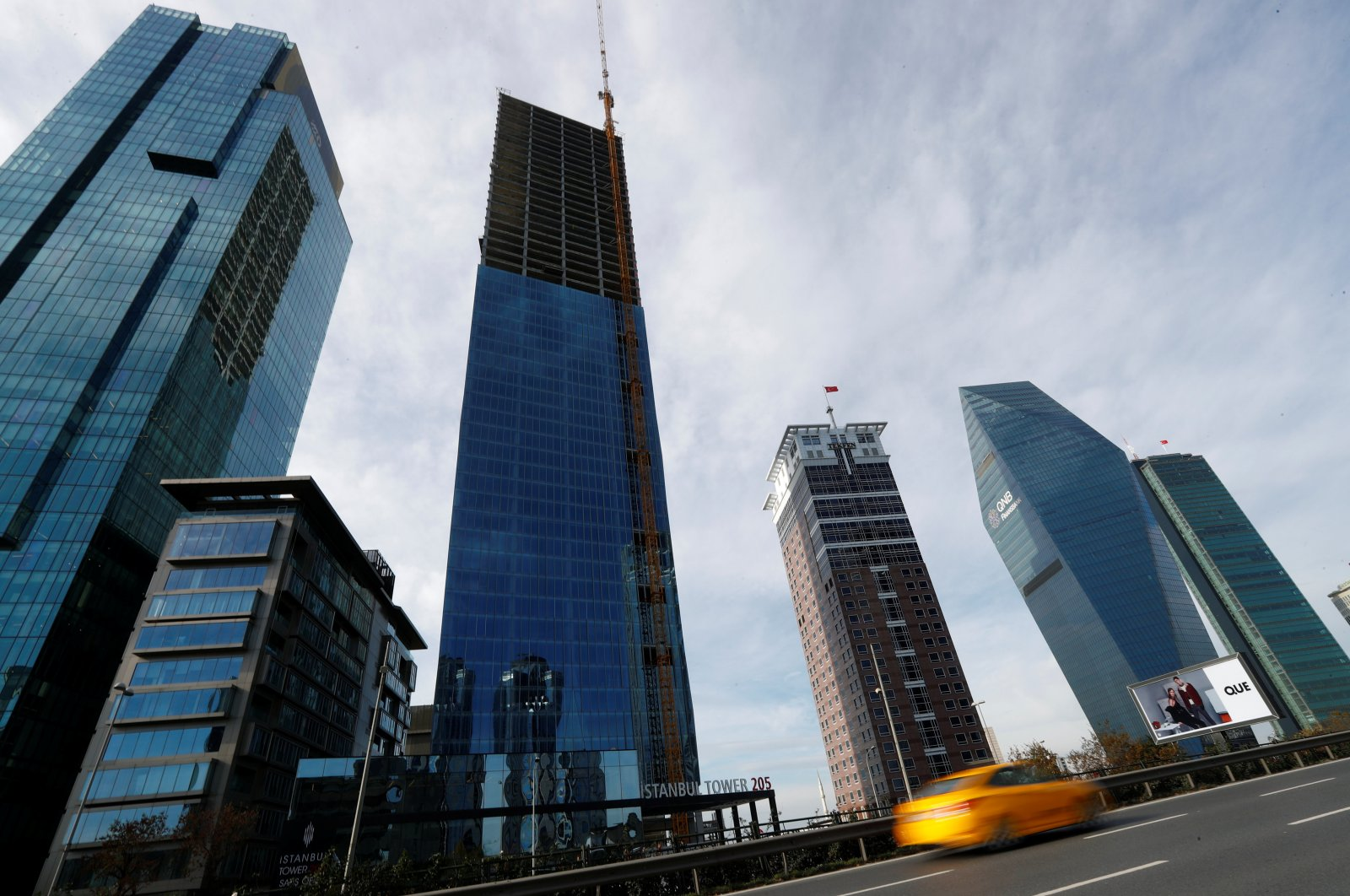 Skyscrapers are seen in the business and financial district of Levent, which comprises leading Turkish banks' and companies' headquarters, in Istanbul, Turkey, Nov.30, 2017. (Reuters Photo)