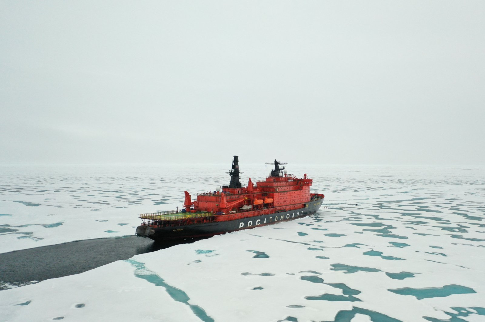 """The Russian nuclear-powered icebreaker """"50 Years of Victory"""" is seen at the North Pole on Aug. 18, 2021. (AFP Photo)"""