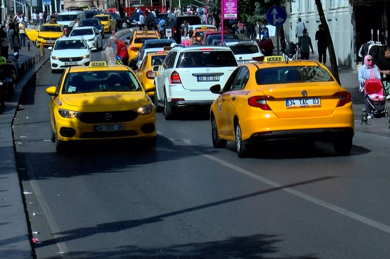 Taxis traveling on a street, in Istanbul, Turkey, Sept. 4, 2021. (DHA Photo)