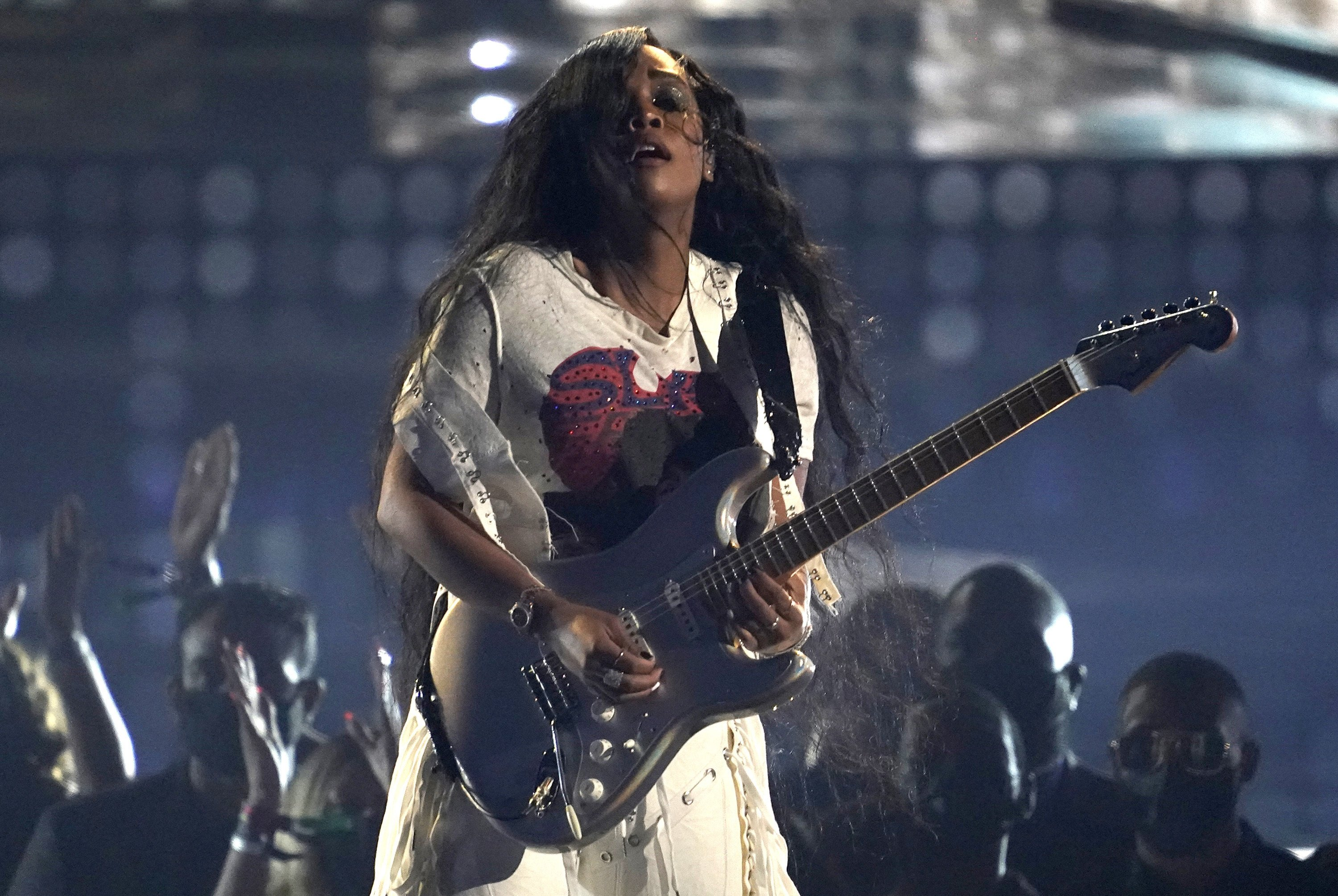 H.E.R. performs at the BET Awards in Los Angeles, U.S., June 27, 2021. (AP Photo)