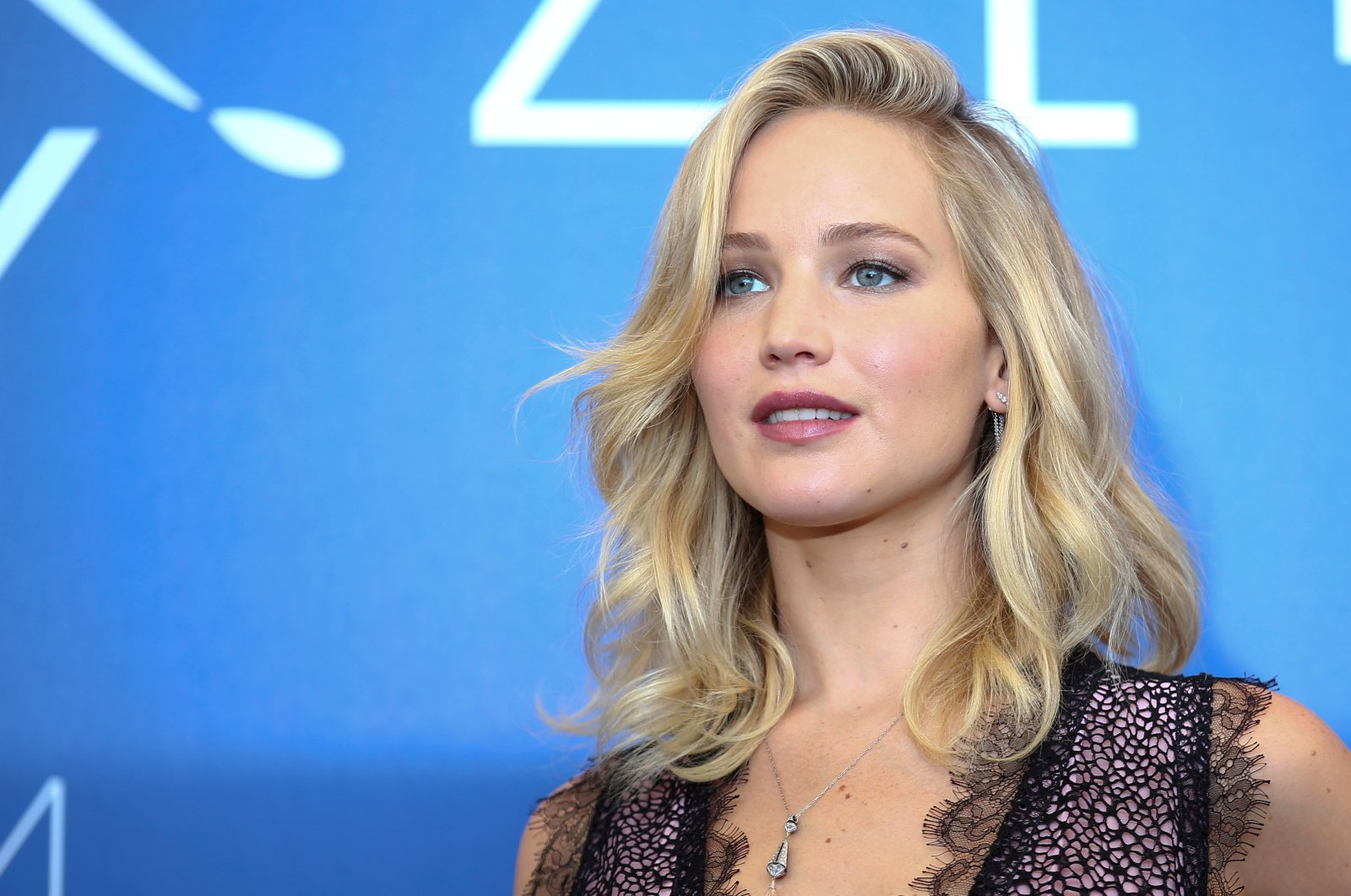 """Actress Jennifer Lawrence poses during a photocall for the movie """"Mother!"""" at the 74th Venice Film Festival in Venice, Italy, Sept. 5, 2017. (Reuters Photo)"""