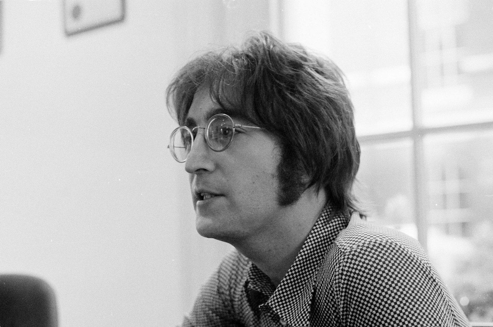 John Lennon is interviewed by journalist Steve Turner of Beat Instrumental magazine, Apple Records, London, U.K., July 19, 1971. (Getty Images)
