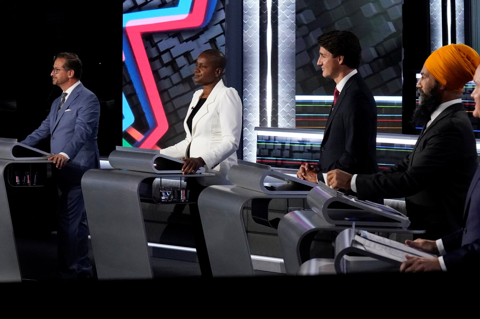 (L-R) Bloc Quebecois leader Yves-Francois Blanchet Green Party leader Annamie Paul, Liberal leader Justin Trudeau, NDP leader Jagmeet Singh, and Conservative leader Erin O'Toole take part in the federal election English-language Leaders debate in Gatineau, Canada, Sept. 9, 2021. (Reuters Photo)
