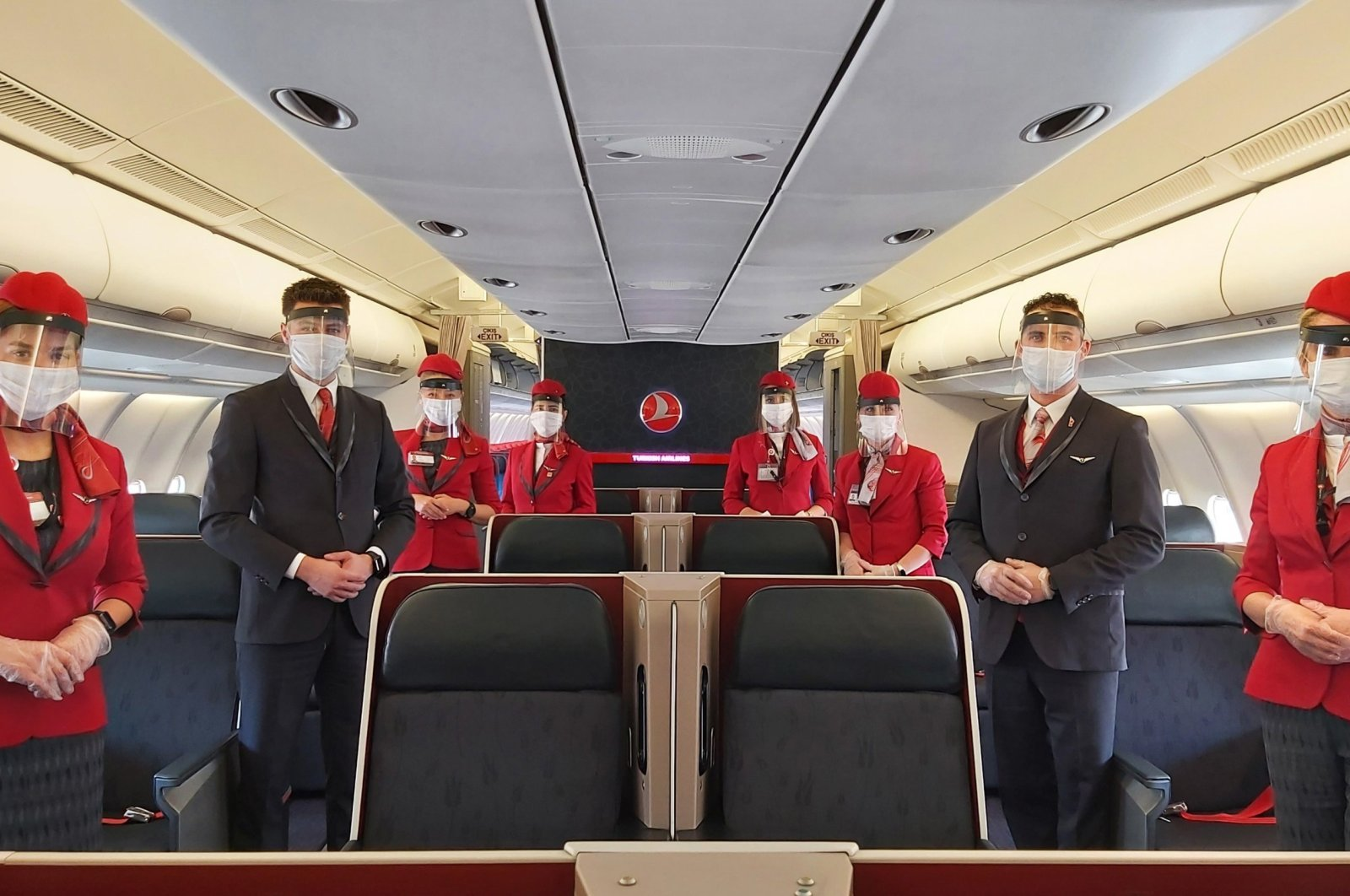 Hygiene experts monitor passengers for compliance with hygiene rules and disinfect every spot they may have touched in THY flights. (IHA File Photo)