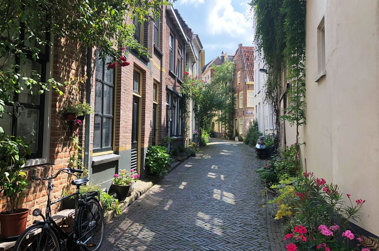 Charming alleys abound in the eastern Dutch city of Zutphen, the Netherlands. (dpa Photo)