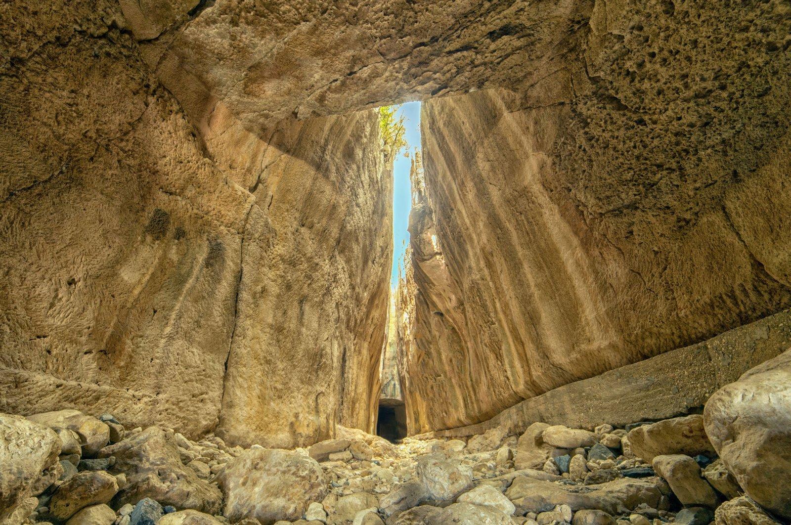The ancient Roman Titus Tunnel, inthe Samandağ district of Hatay,Turkey. (Shutterstock Photo)