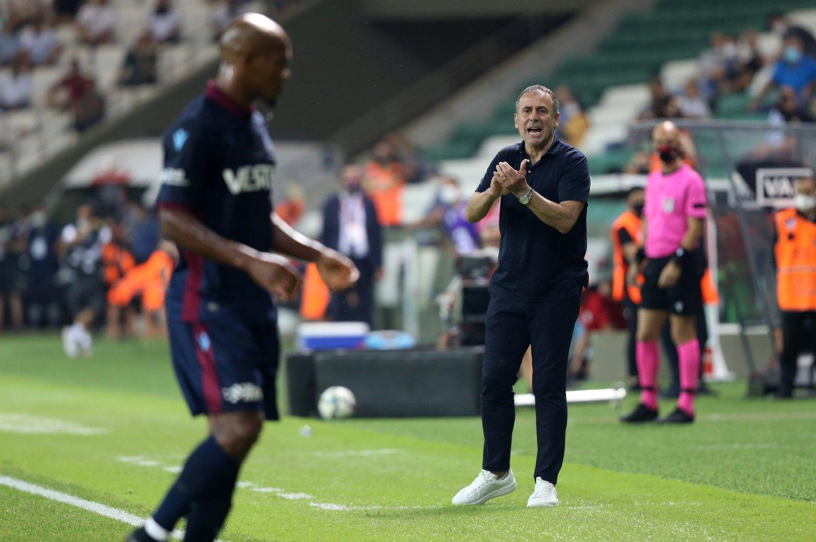 Trabzonspor coach Abdullah Avcı reacts during a Turkish Süper Lig match against Giresunspor, Giresun, northeastern Turkey, Aug. 29, 2021. (AA Photo)
