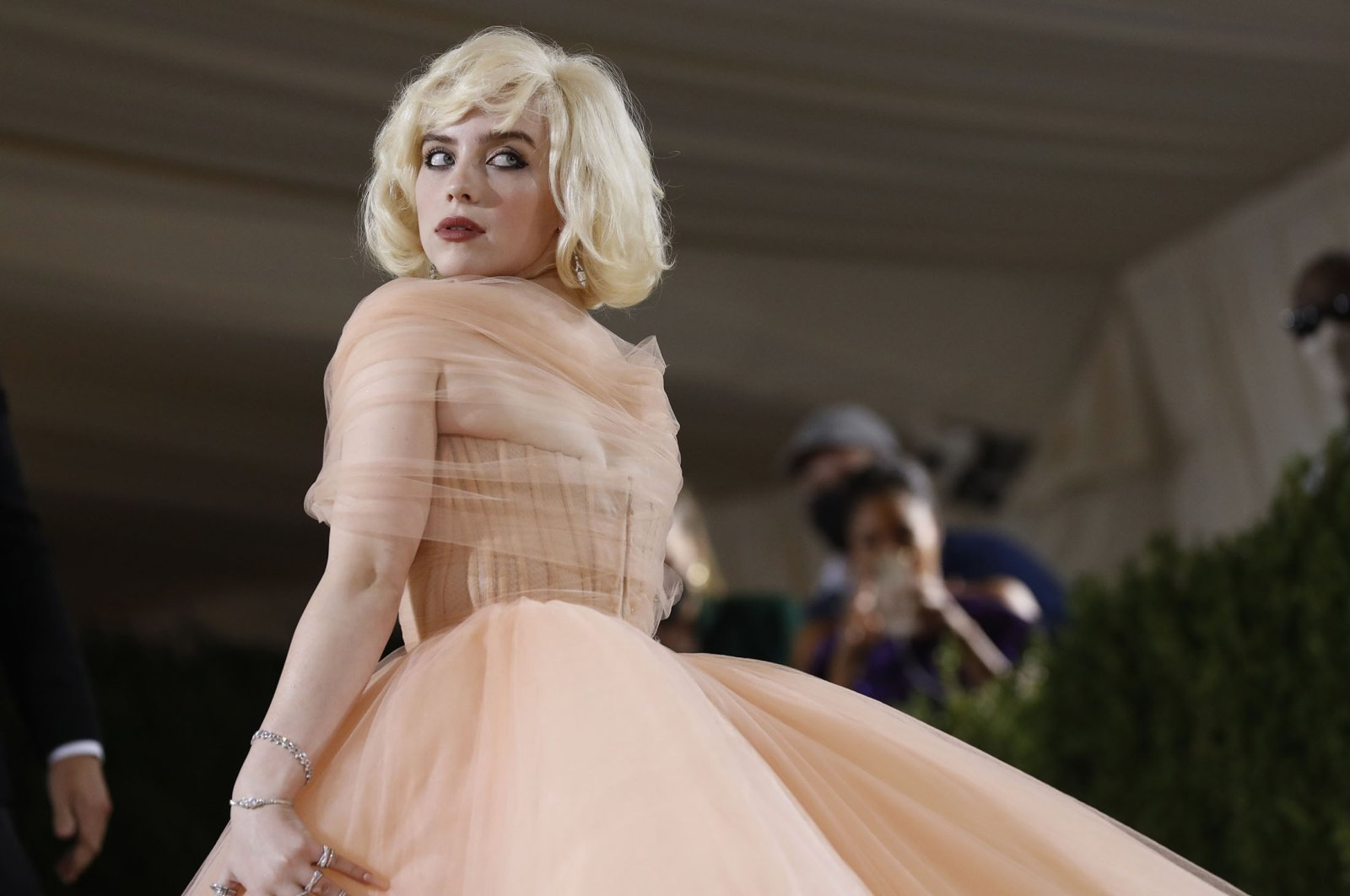 Billie Eilisharrives for the 2021 Met Gala at the Metropolitan Museum of Art, in New York, U.S., Sept. 13, 2021. (Reuters Photo)