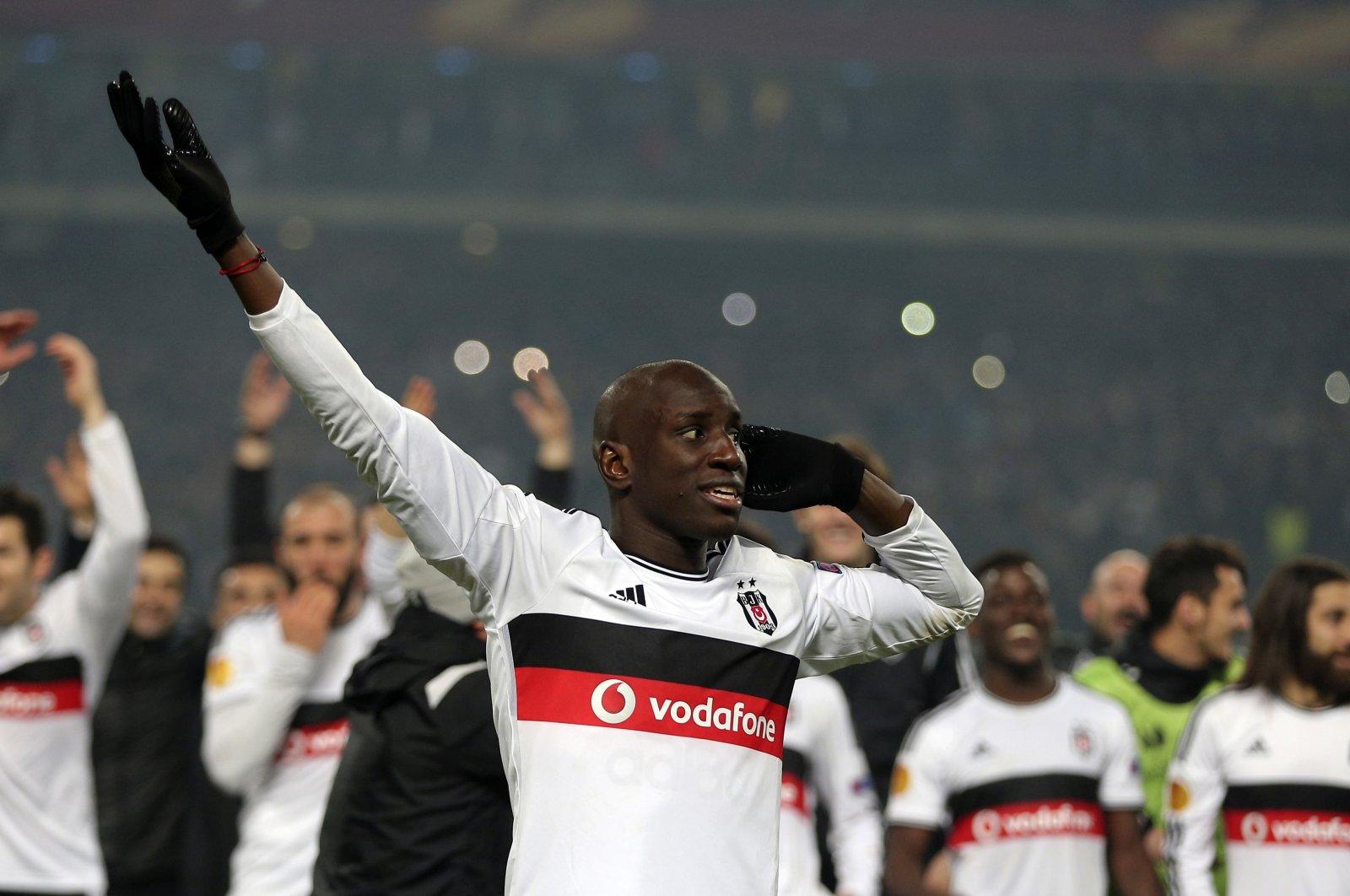 Beşiktaş's Demba Ba reacts after a Europa League match against Liverpool, Atatürk Olympic Stadium in Istanbul, Turkey, Feb. 26, 2015. (AP Photo)
