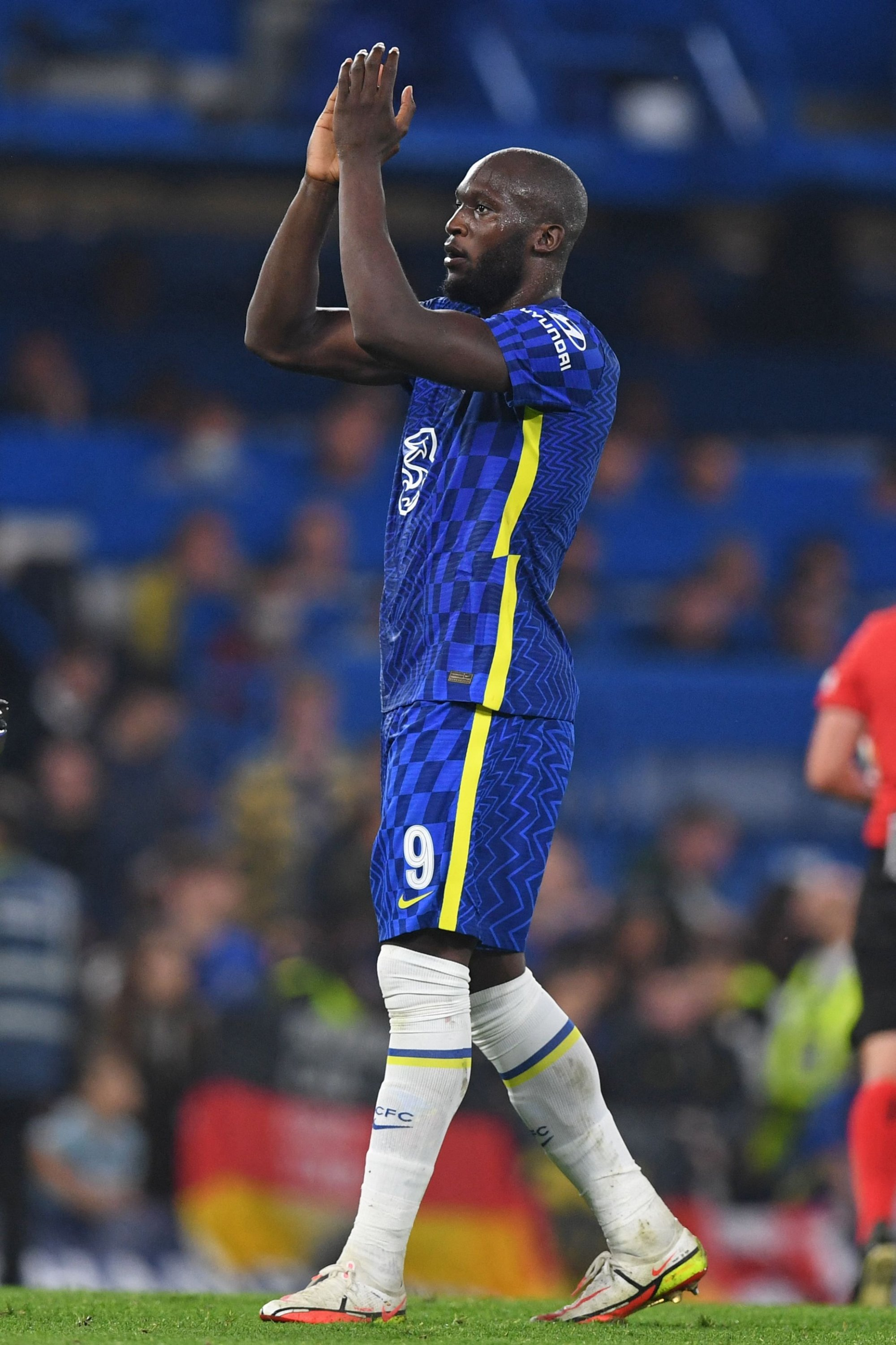 Chelsea's Romelu Lukaku applauds supporters on the pitch after a Champions League Group H match against Zenit St. Petersburg at Stamford Bridge in London, England, Sept. 14, 2021. (AFP Photo)