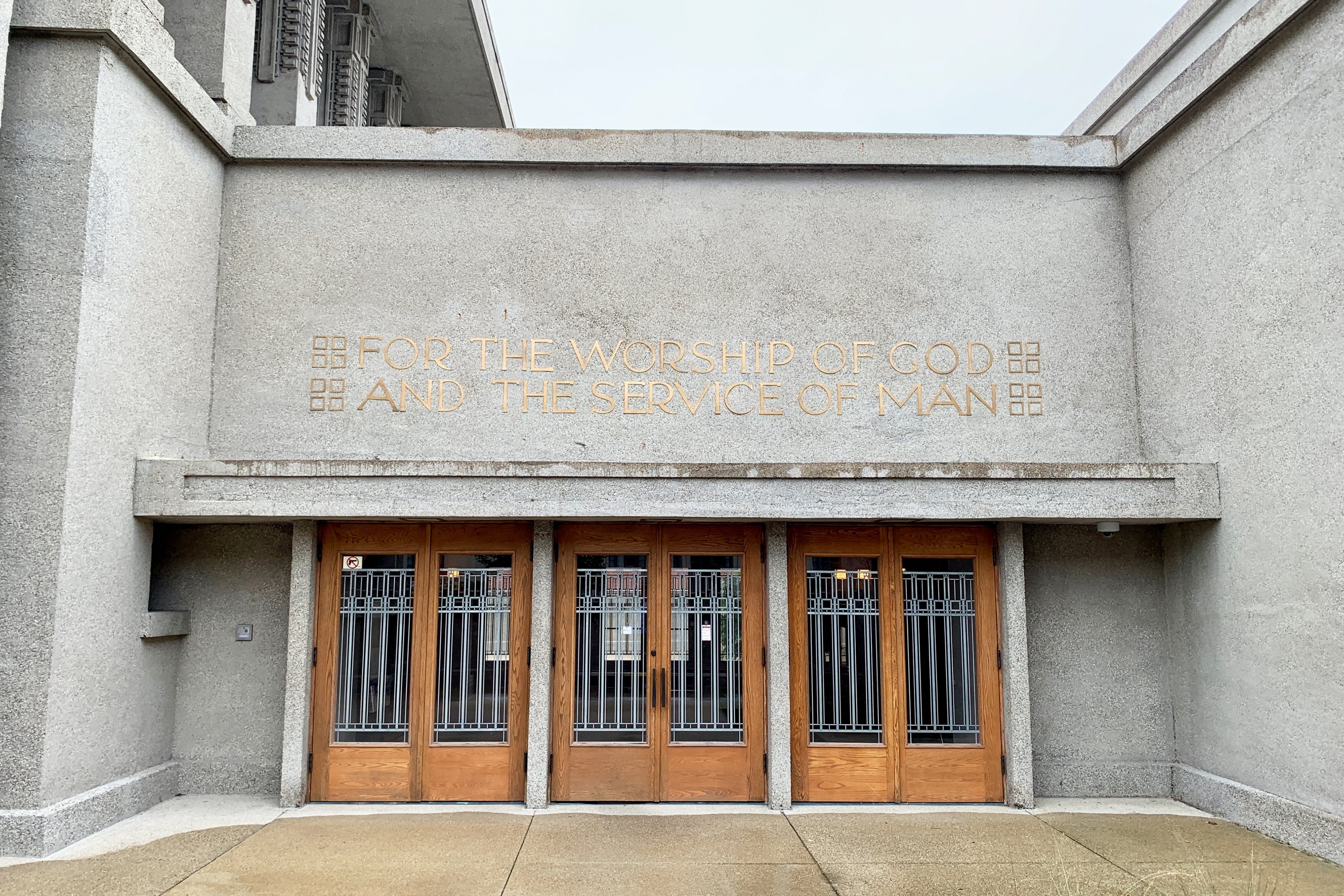 The entrance to Unity Temple in Oak Park is not easy to find – a Frank Lloyd Wright trademark. (DPA PHoto)