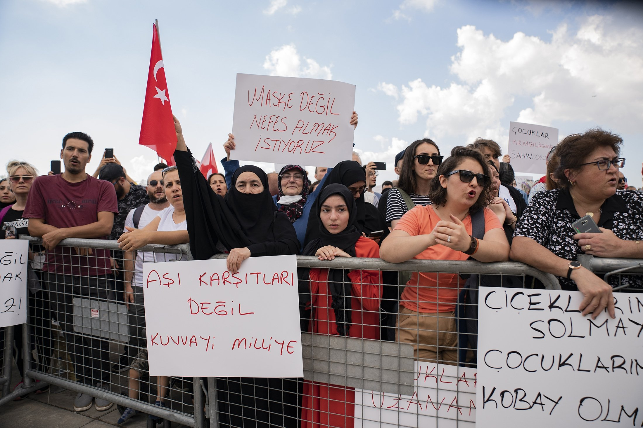 More than a thousand people demonstrate against COVID-19 vaccinations, testing and mask mandates in Istanbul, Turkey, Sept. 11, 2021. (Getty Images Photo)