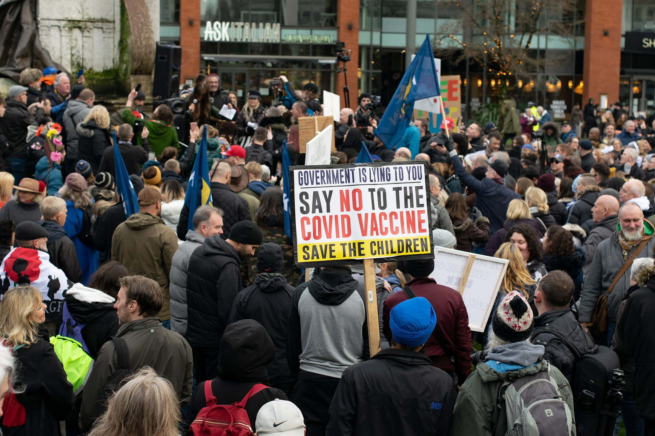 British people march against the COVID-19 vaccine in a 'Freedom Rally,' in Manchester, U.K., Dec.12, 2020. (Shutterstock Photo)