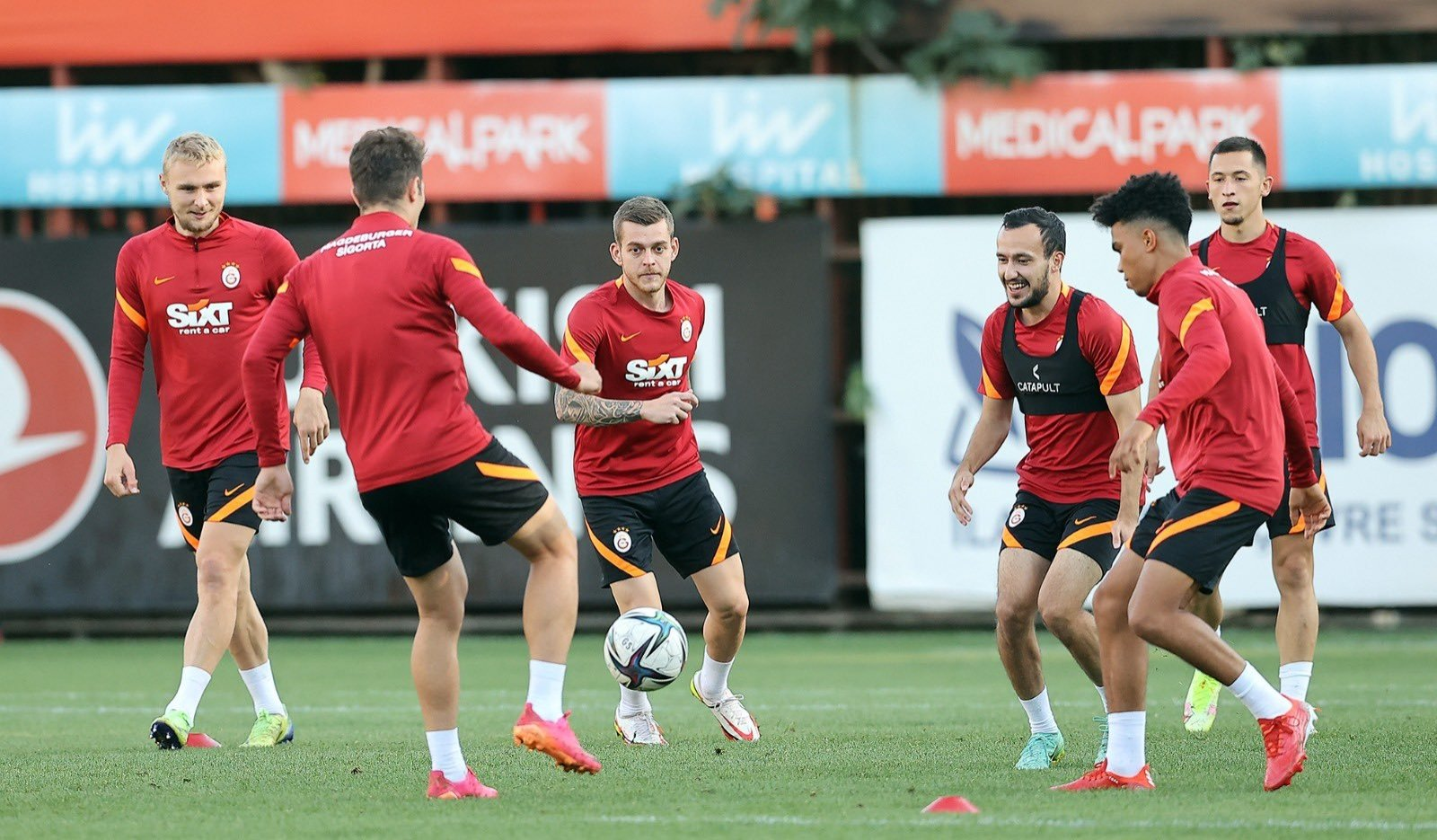 Galatasaray players attend a training session ahead of a Süper Lig match against Trabzonspor, Istanbul, Turkey, Sept. 10, 2021. (DHA Photo)
