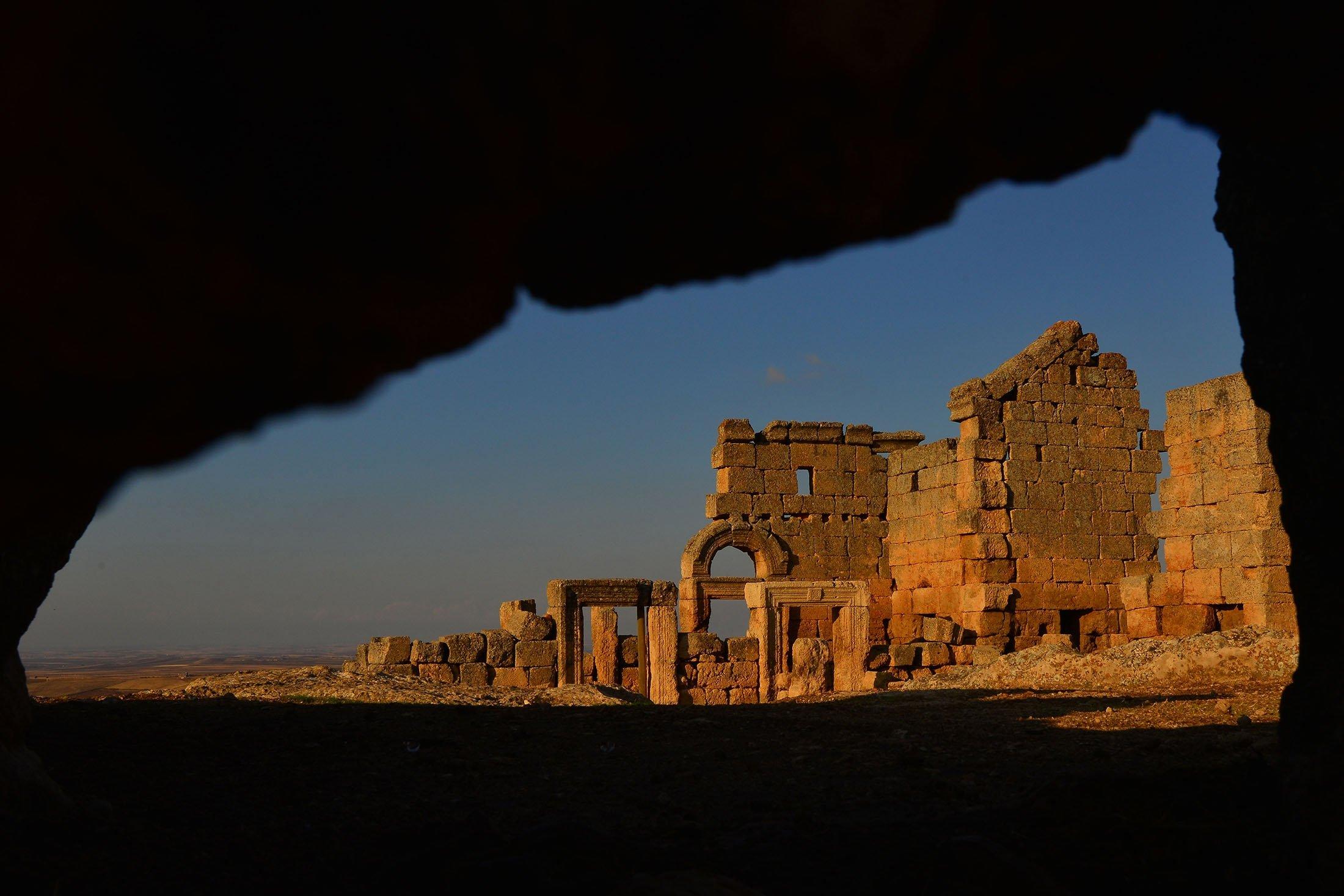 The ruins of Zerzevan Castle in Diyarbakır, Turkey. (Shutterstock Photo)