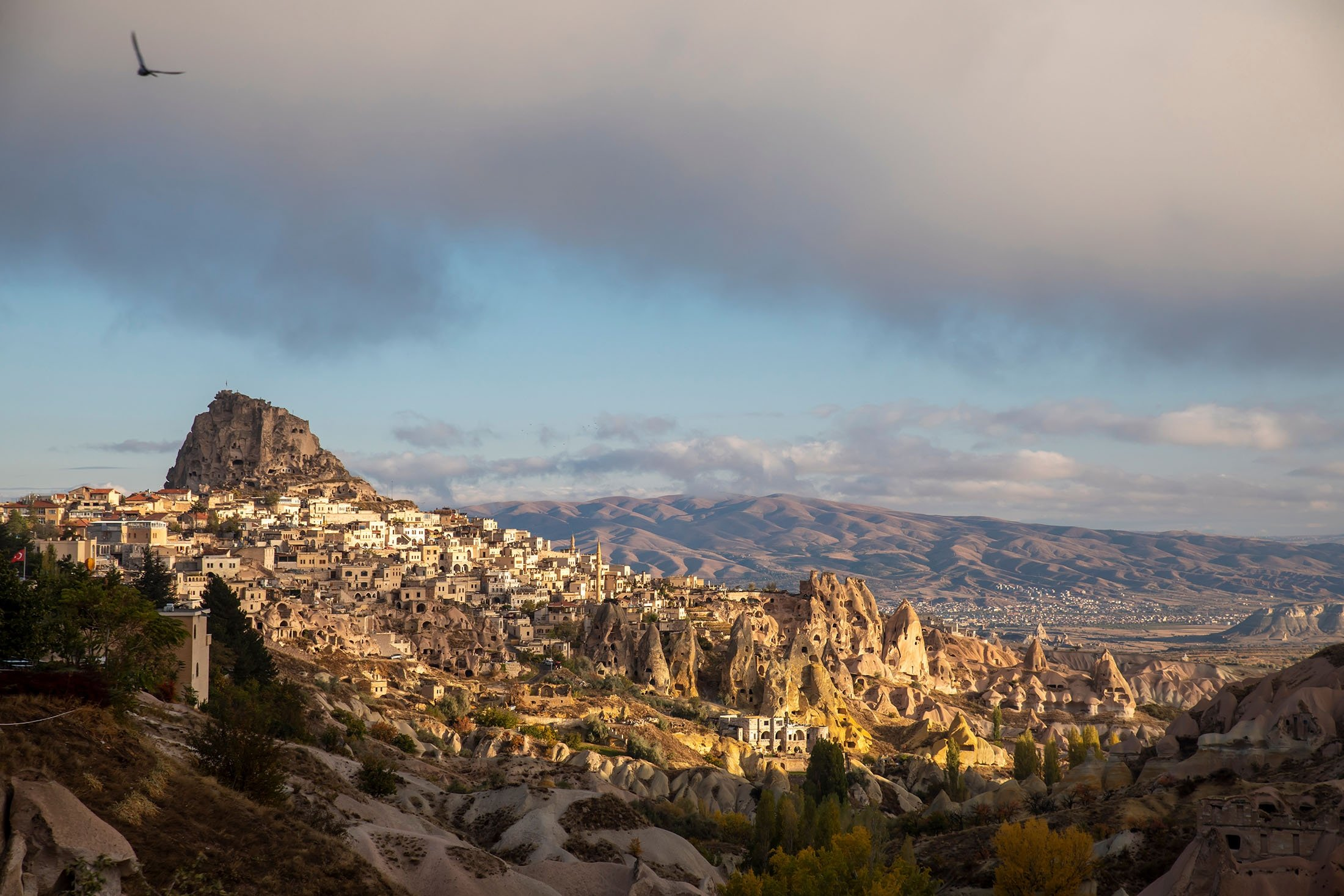 The Uçhisar settlement and castle in Nevşehir, Turkey. (Shutterstock Photo)