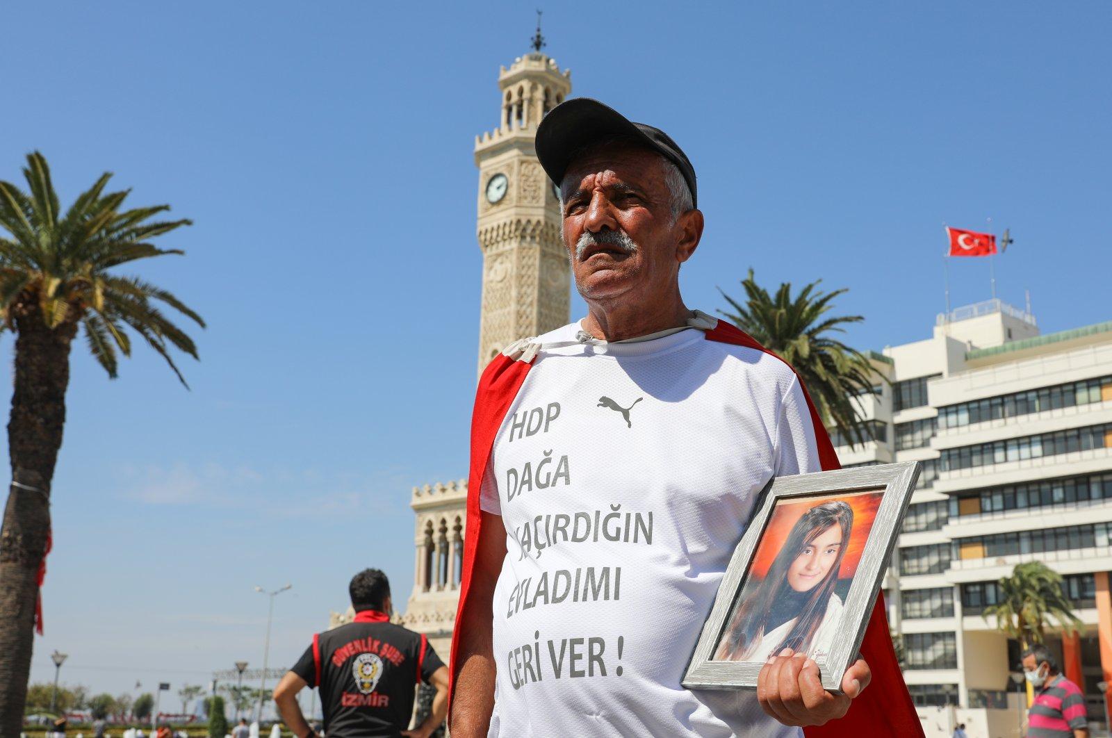 Mehmet Laçin protests the PKK's abduction of his daughter in Izmir, Turkey, Sept. 13, 2021. (AA Photo)