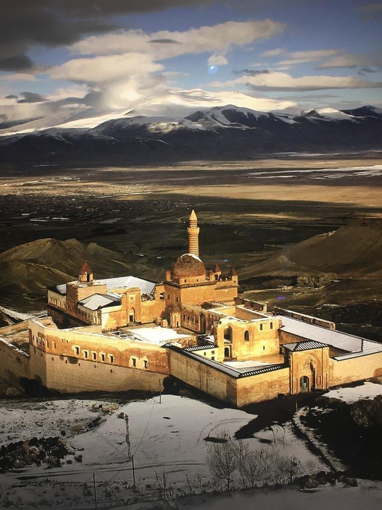 A close-up of Nuri Bilge Ceylan's Ishak Pasha Palace photo. (Photo by Irem Yaşar)