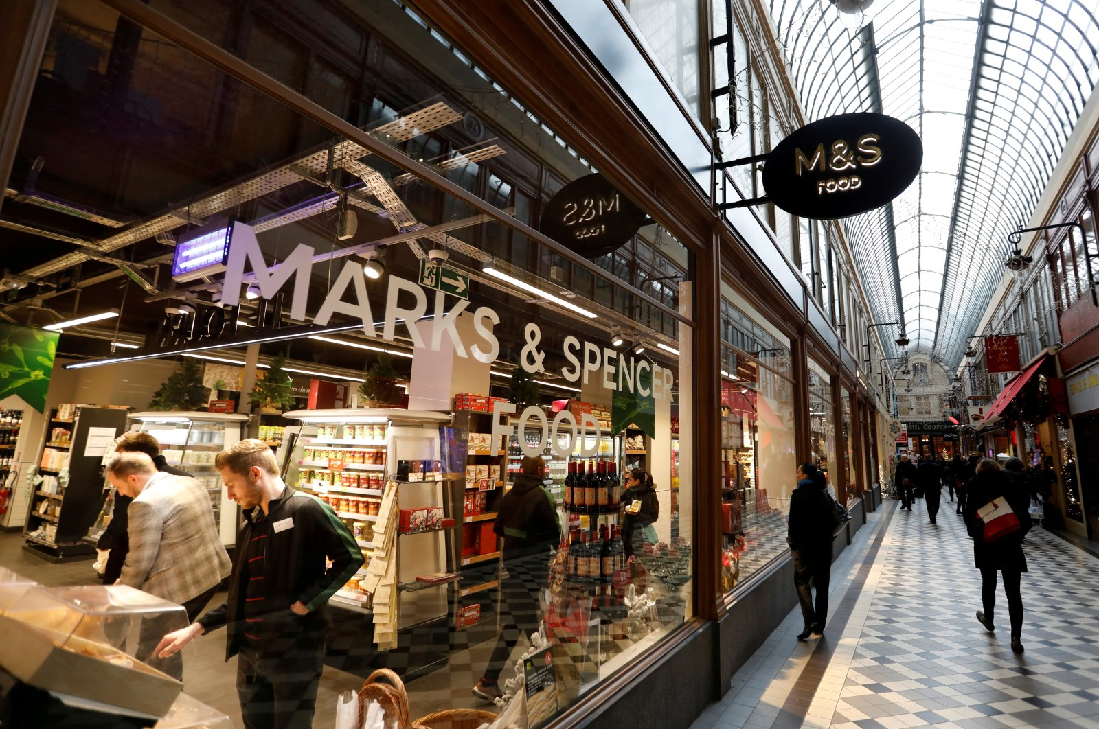 A Marks & Spencer store is seen in the covered Jouffroy passage in Paris, France, Dec. 11, 2018. (Reuters Photo)
