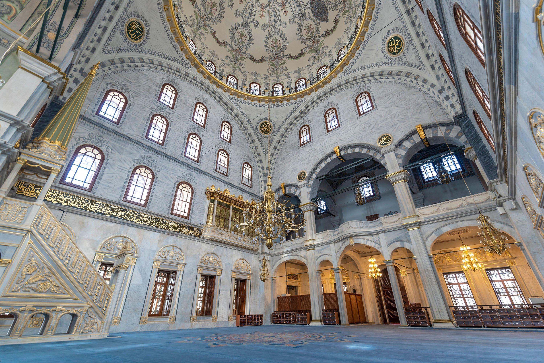 Interior of Nusretiye Mosque built by Sultan Mahmud II in Tophane, Istanbul, Turkey, April 26, 2019. (Shuttershock images)