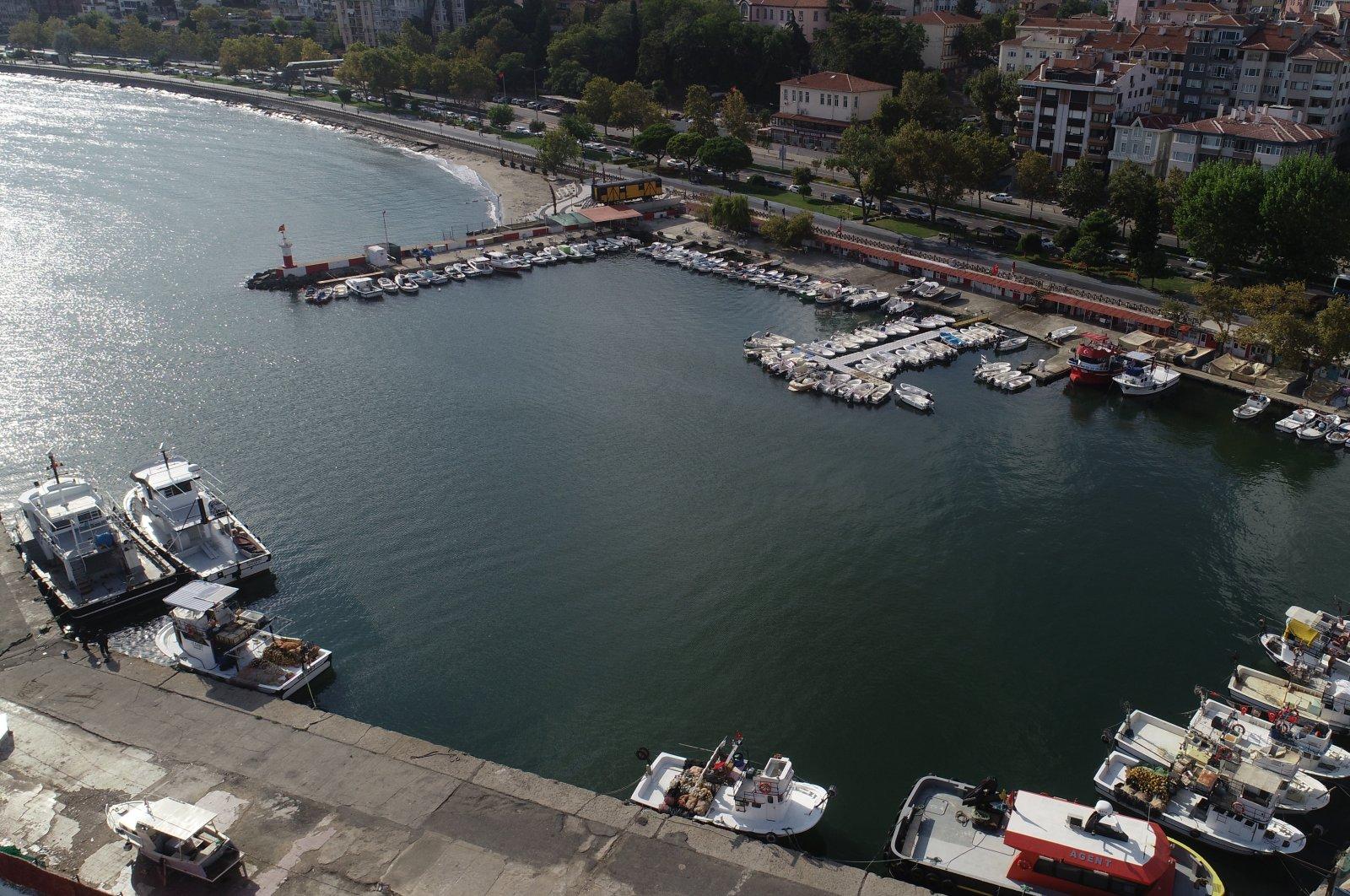 A view of a harbor on the coast of Marmara Sea, in Tekirdağ, northwestern Turkey, Sept. 10, 2021. (AA PHOTO)