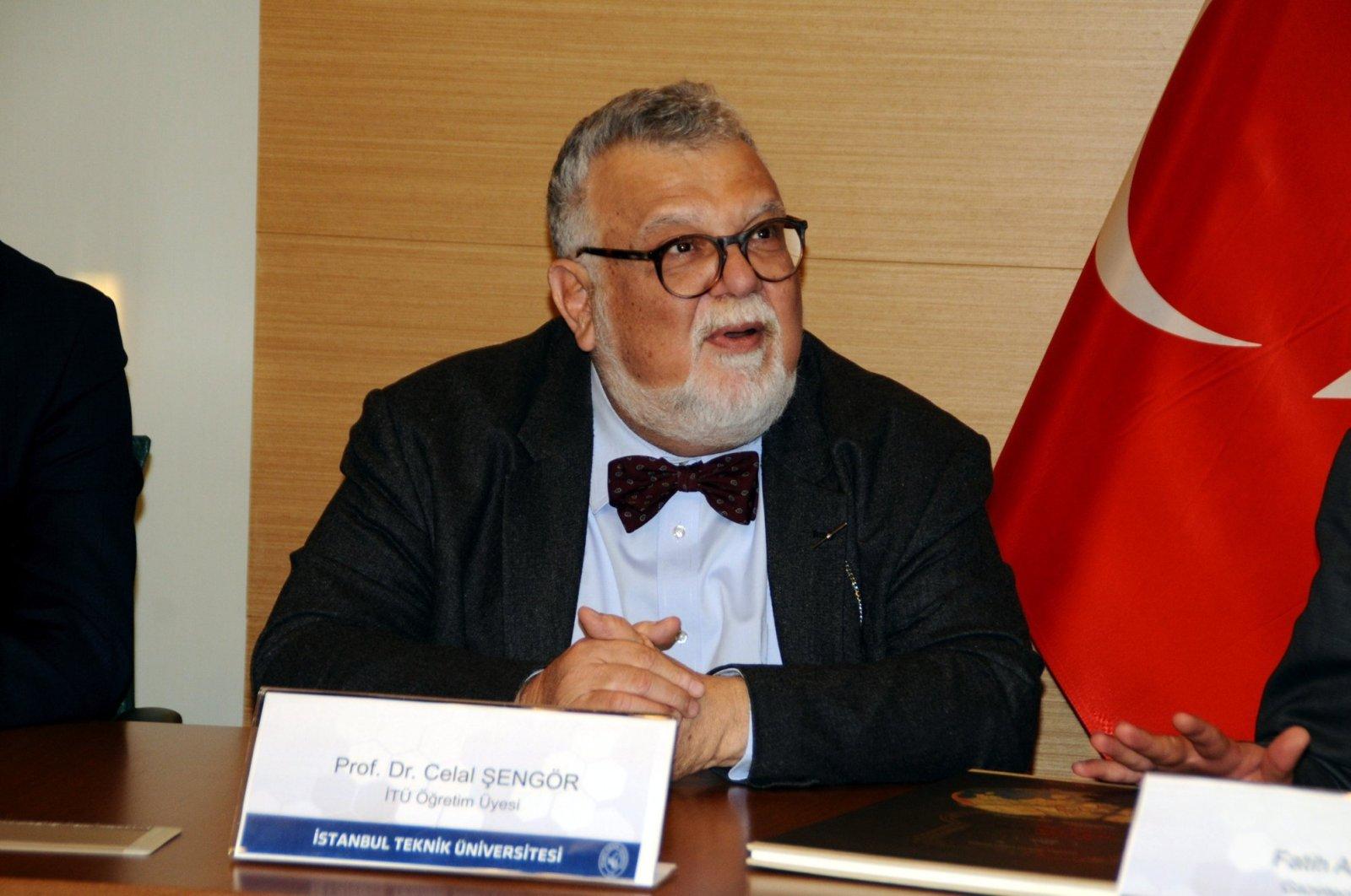 Professor Celal Şengör speaks at an event at Istanbul Technical University (İTÜ), in Istanbul, Turkey, Jan. 3, 2018. (PHOTO BY MUSTAFA KAYA)