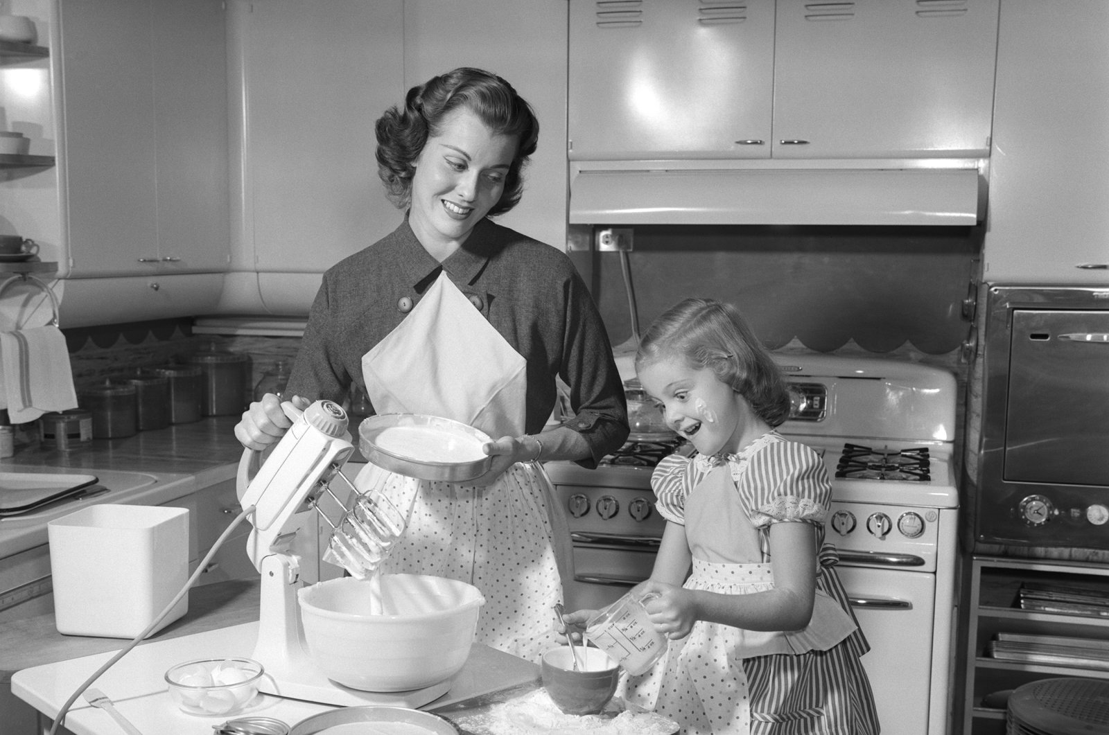 Remember not to press down flour when measuring, leave it fluffy. (Getty Images)