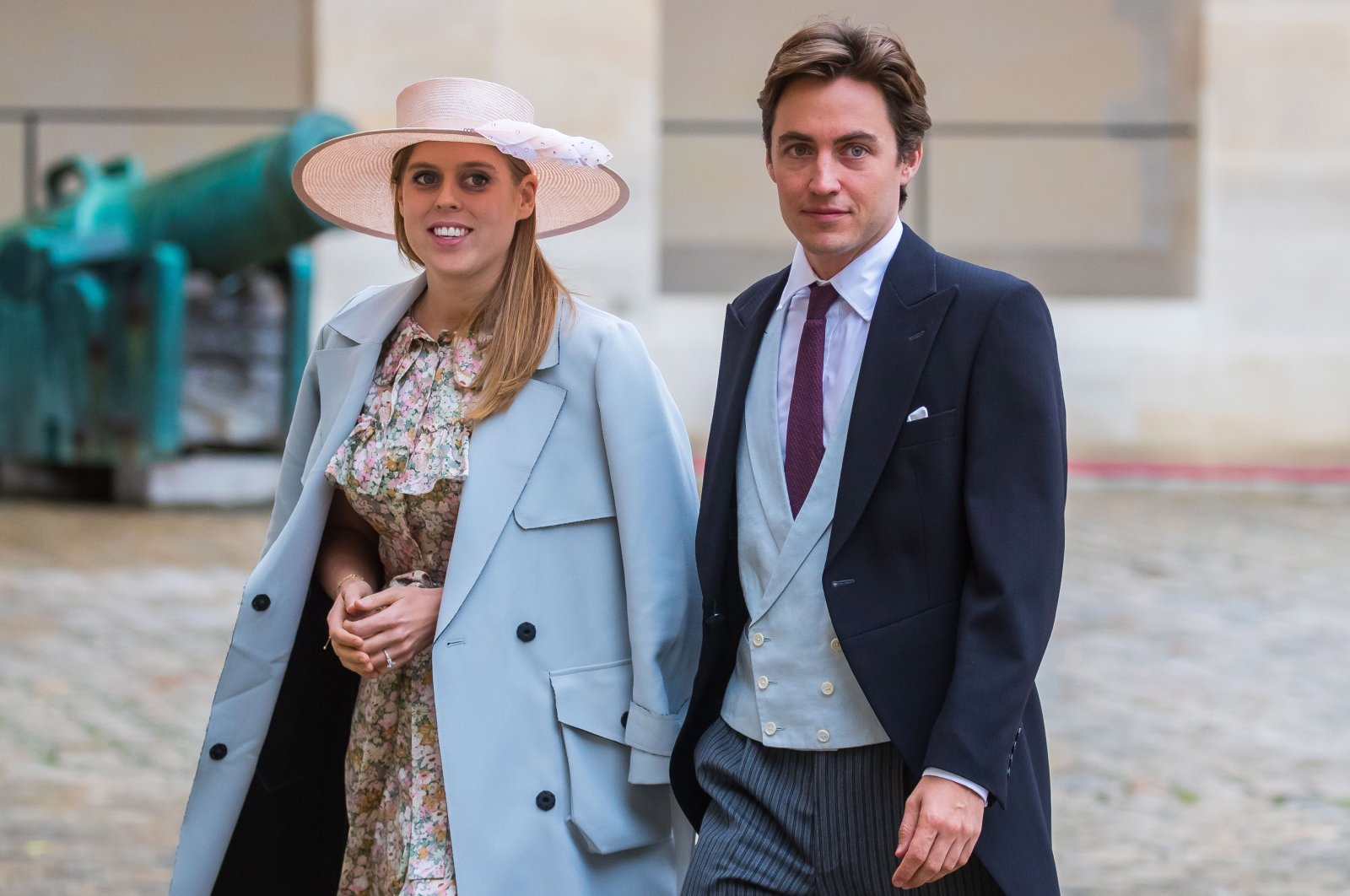 Britain's Princess Beatrice of York (L) and Edoardo Mapelli Mozzi (R) arrive for the wedding ceremony of the Prince Napoleon Countess Arco-Zinneberg at the Saint-Louis-des-Invalides cathedral at the Invalides National Hotel in Paris, France, Oct. 19, 2019. (EPA Photo)