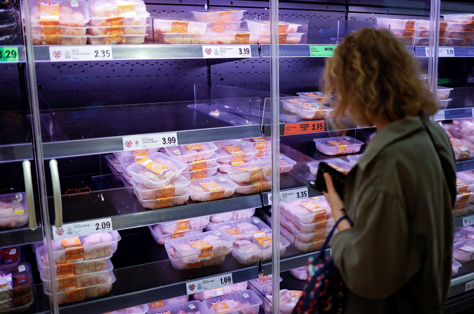 UK warns its food industry to prepare for CO2 price shock