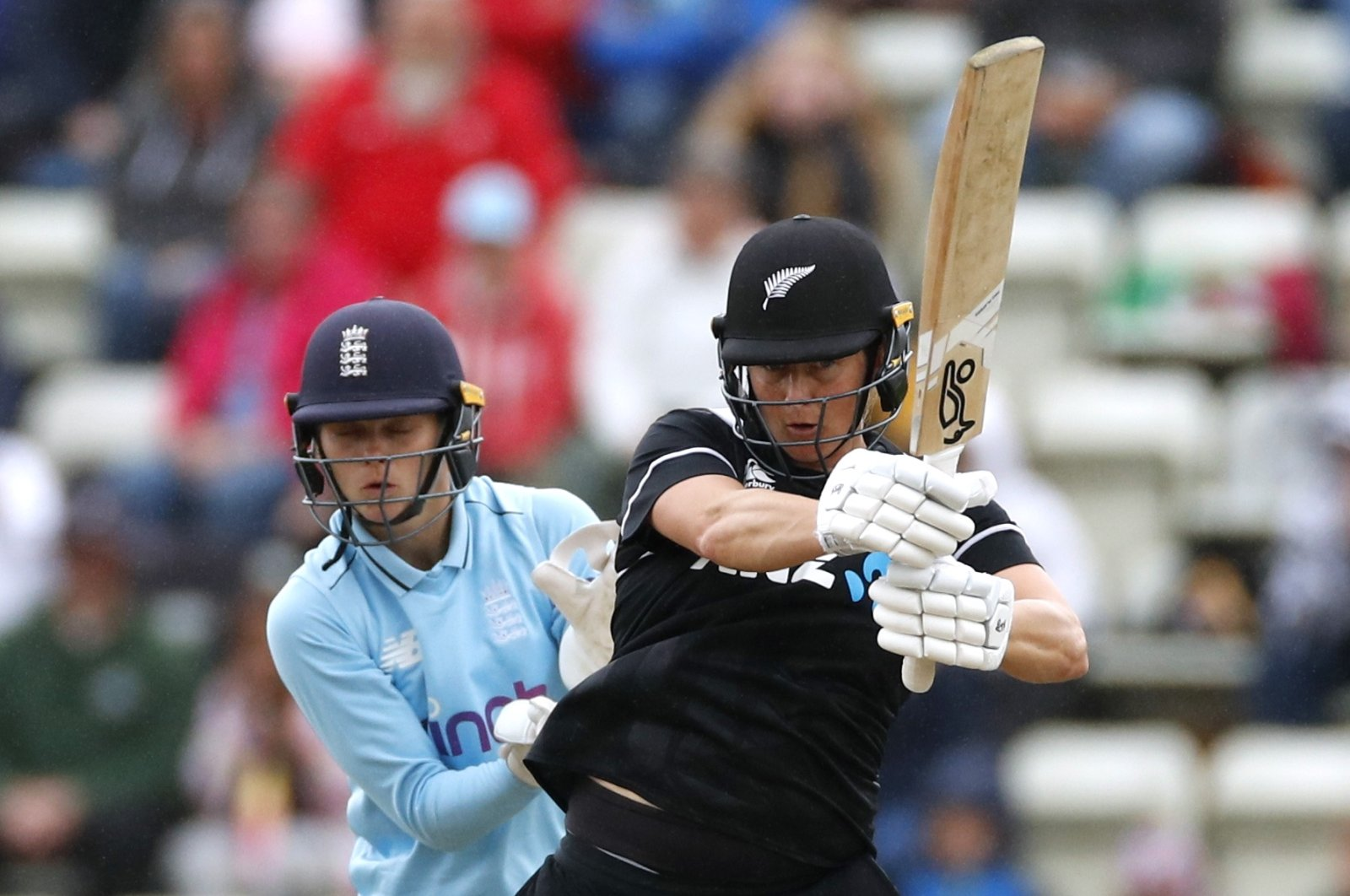 New Zealand batter Sophie Devine (R) in action in a women's One Day International match against England at the County Ground, Worcester, England, Sept. 19, 2021. (Reuters Photo)