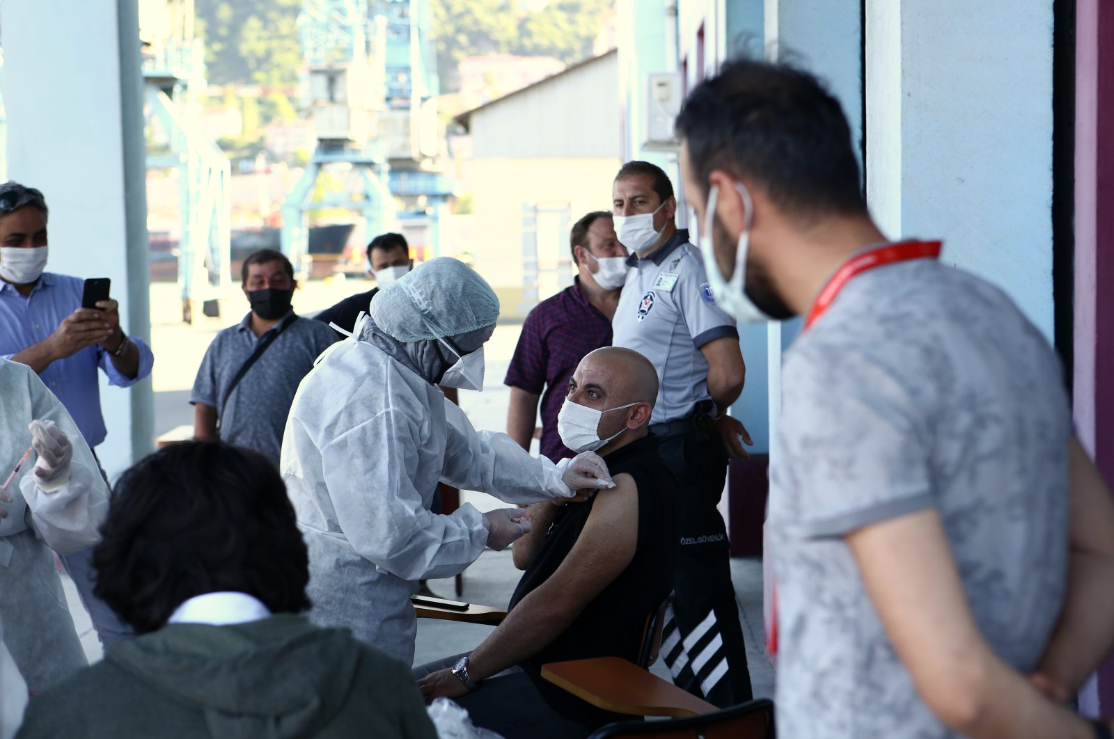 People get vaccinated at a vaccination spot in Trabzon, northern Turkey, Sept. 22, 2021. (AA PHOTO)