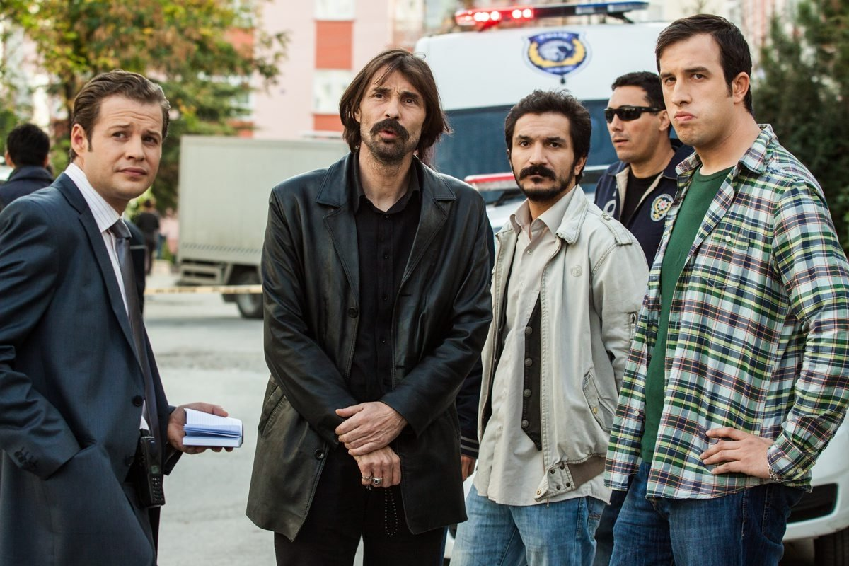 This still shot shows Erdal Beşikçioğlu (2nd L) and other cast in 'Behzat Ç., Bir Ankara Policeman,' originally aired by Turkish broadcaster Star TV.