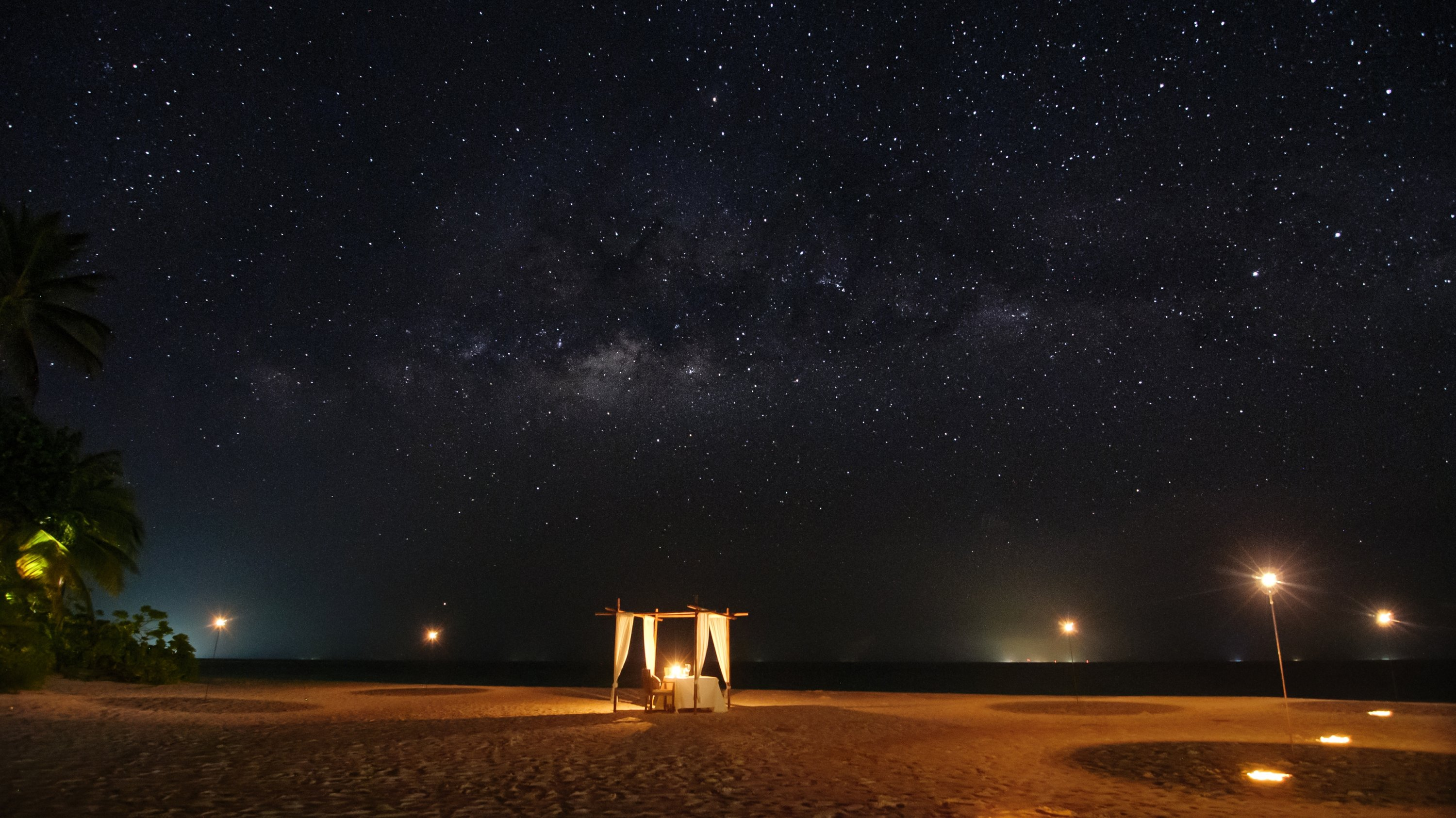 Low light pollution allows unparalleled stargazing opportunities in the Maldives. (Photo courtesy of Mirihi Maldives)